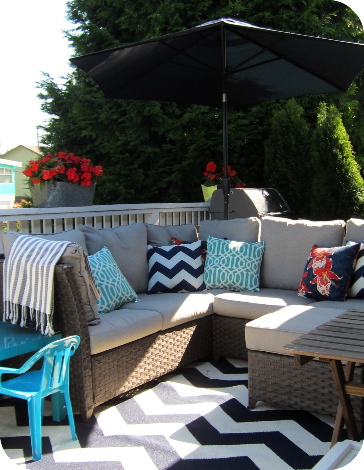 Widely Used Target Patio Umbrellas Inside Garden: Enchanting Outdoor Patio Decor Ideas With Patio Umbrellas (View 20 of 20)