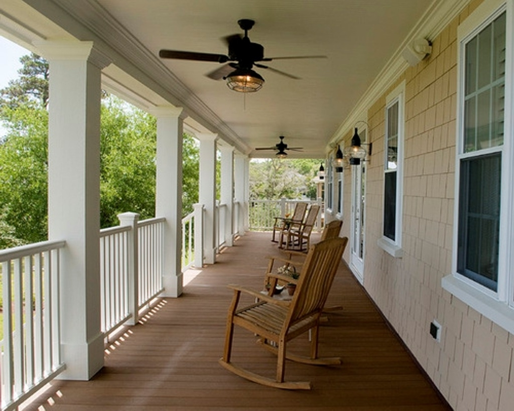 Outdoor Patio Ceiling Fans With Lights Within Recent Traditional Patio Ideas With White Railing And Antique Ceiling Fan (View 12 of 20)