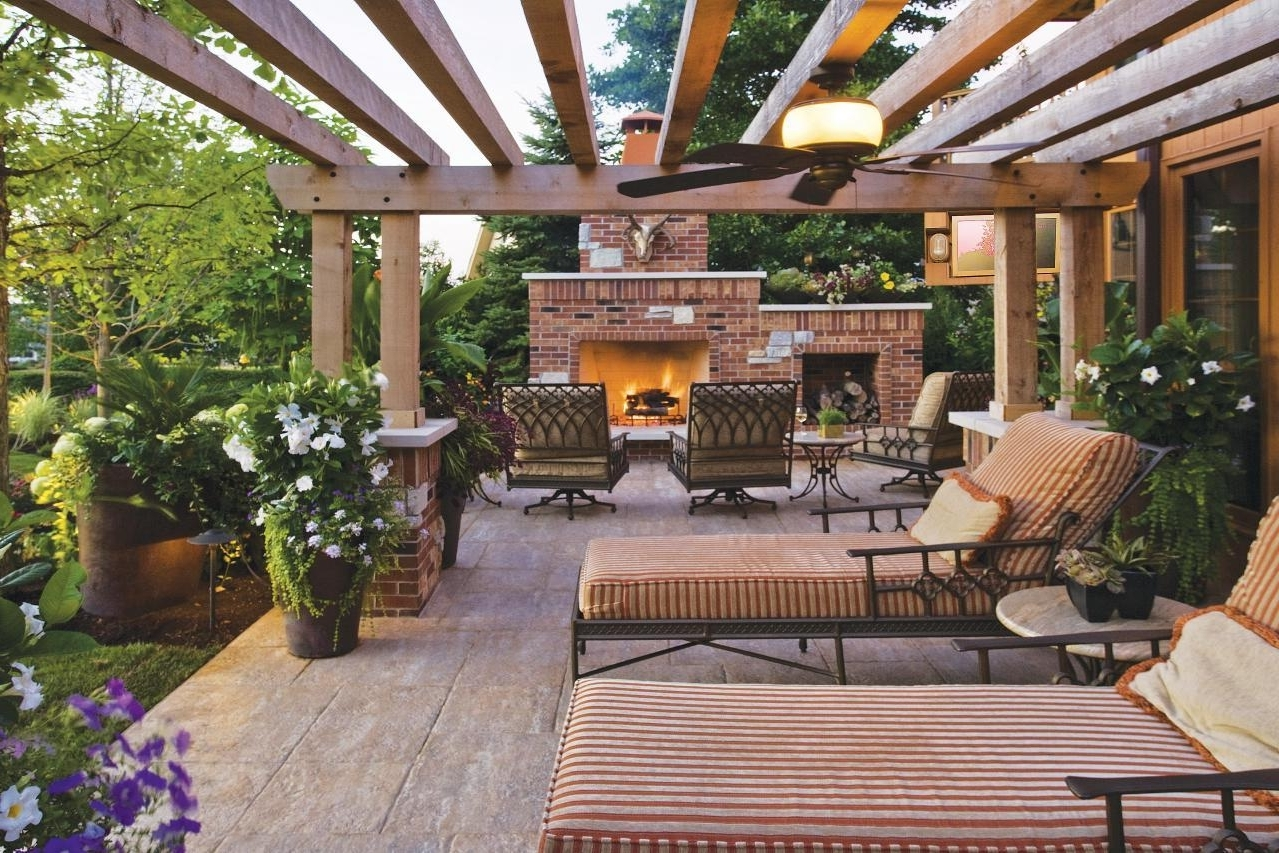 Popular Pergola Ceiling Ideas – Pizzarusticachicago Regarding Outdoor Ceiling Fans For Pergola (Gallery 4 of 20)