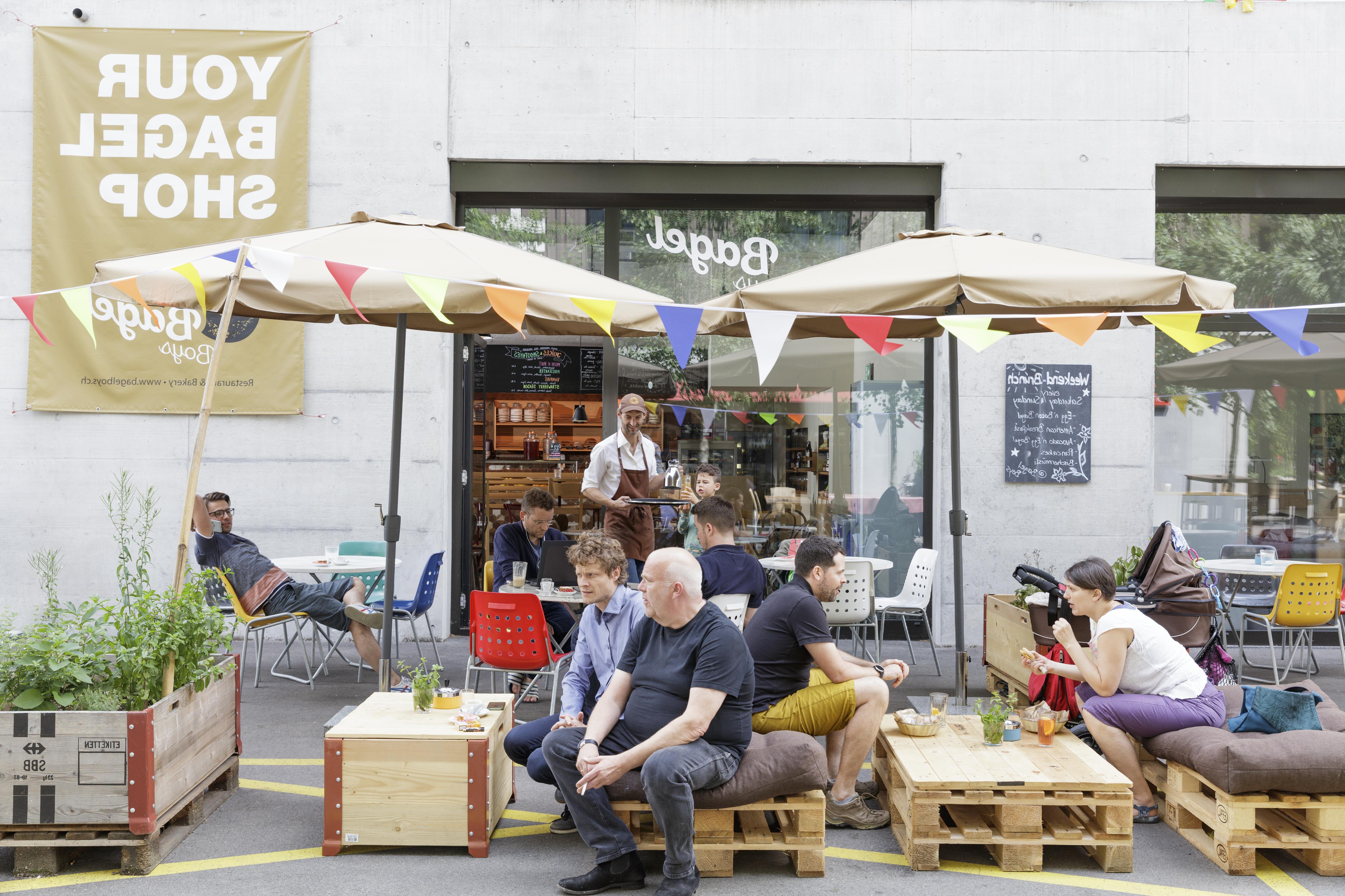 2020 Bagelboys In Zürich – Ausgezeichnete Restaurants, Bars, Take Aways Intended For Wier Market Umbrellas (Gallery 12 of 20)