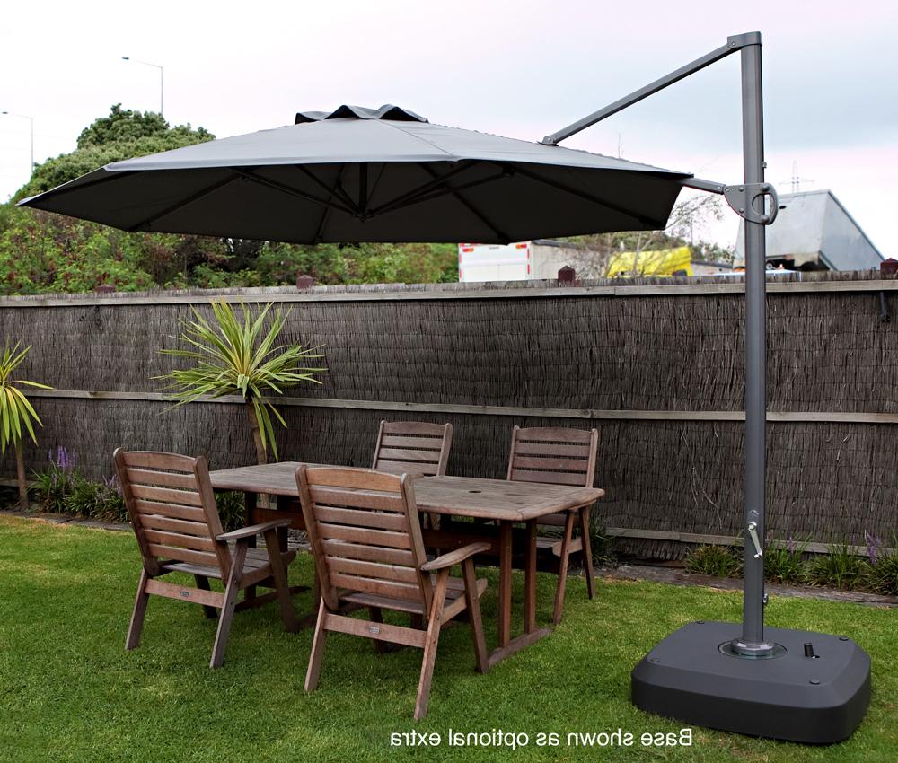 Famous Cantilever Umbrellas For Cantilever Market Umbrellas  (View 14 of 20)