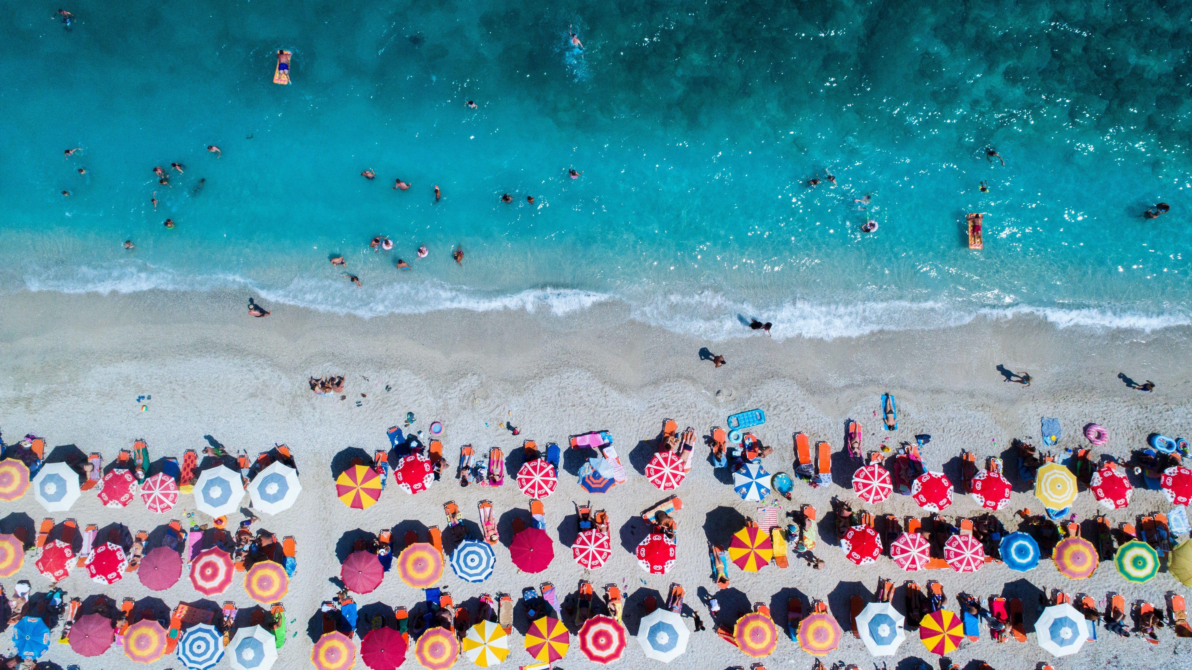 Favorite Leasure Fiberglass Portable Beach Umbrellas Regarding The 8 Best Beach Umbrellas Of  (View 7 of 20)