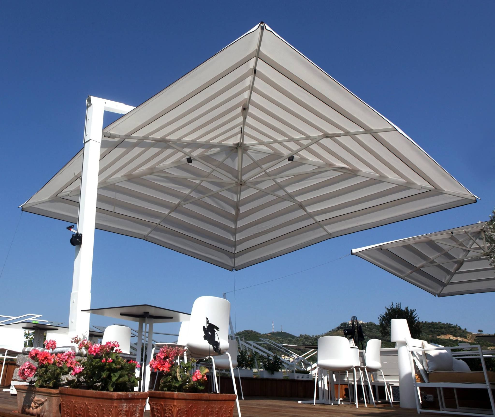 Large Cantilever Patio Umbrellathe Shade Experts Call Now 888 Inside Fashionable Macclesfield Square Cantilever Umbrellas (View 5 of 20)