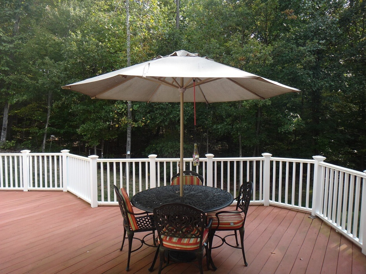 Latest Fleetwood Market Umbrellas With Regard To Outdoor Living – Umbrellas – Esbenshades (View 13 of 20)