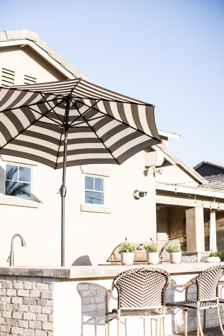 Most Popular 9' Aluminum Market Umbrella (View 16 of 20)