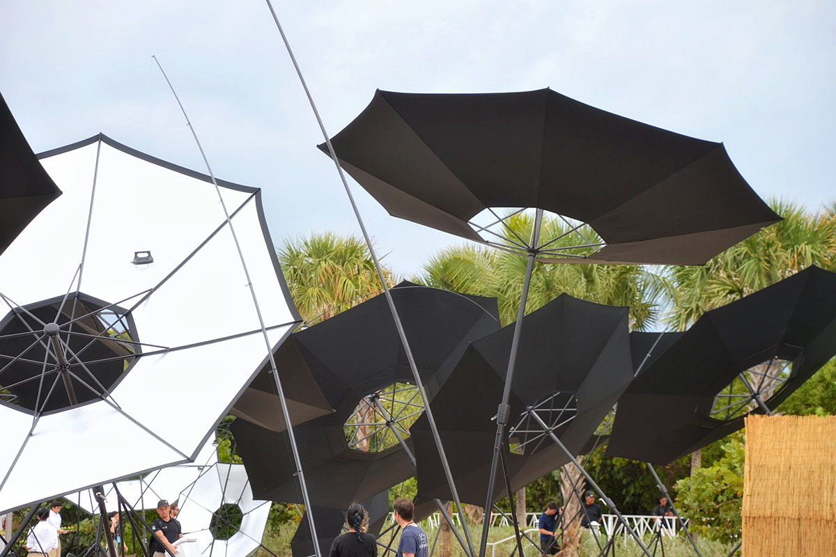 Most Popular Hilma Solar Cantilever Umbrellas Pertaining To Saraceno (View 16 of 20)