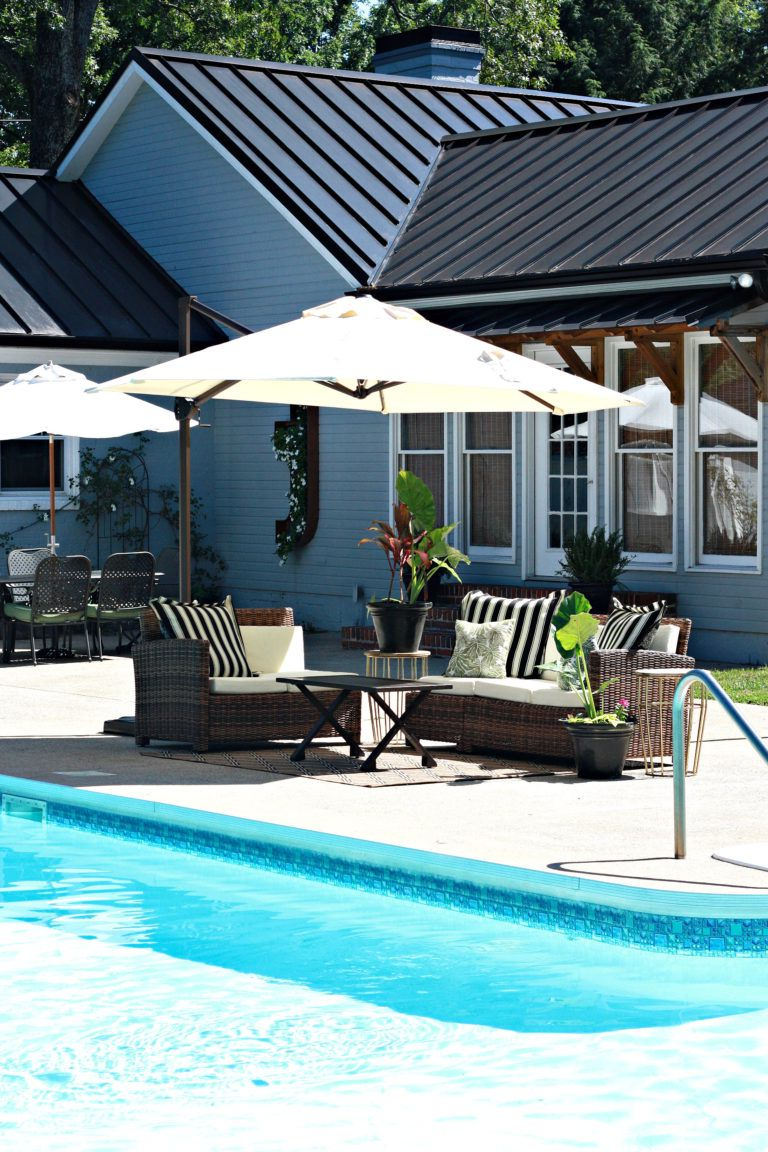 Most Recently Released Sunbrella Fabric Offset Cantilever Patio Umbrella (View 17 of 20)
