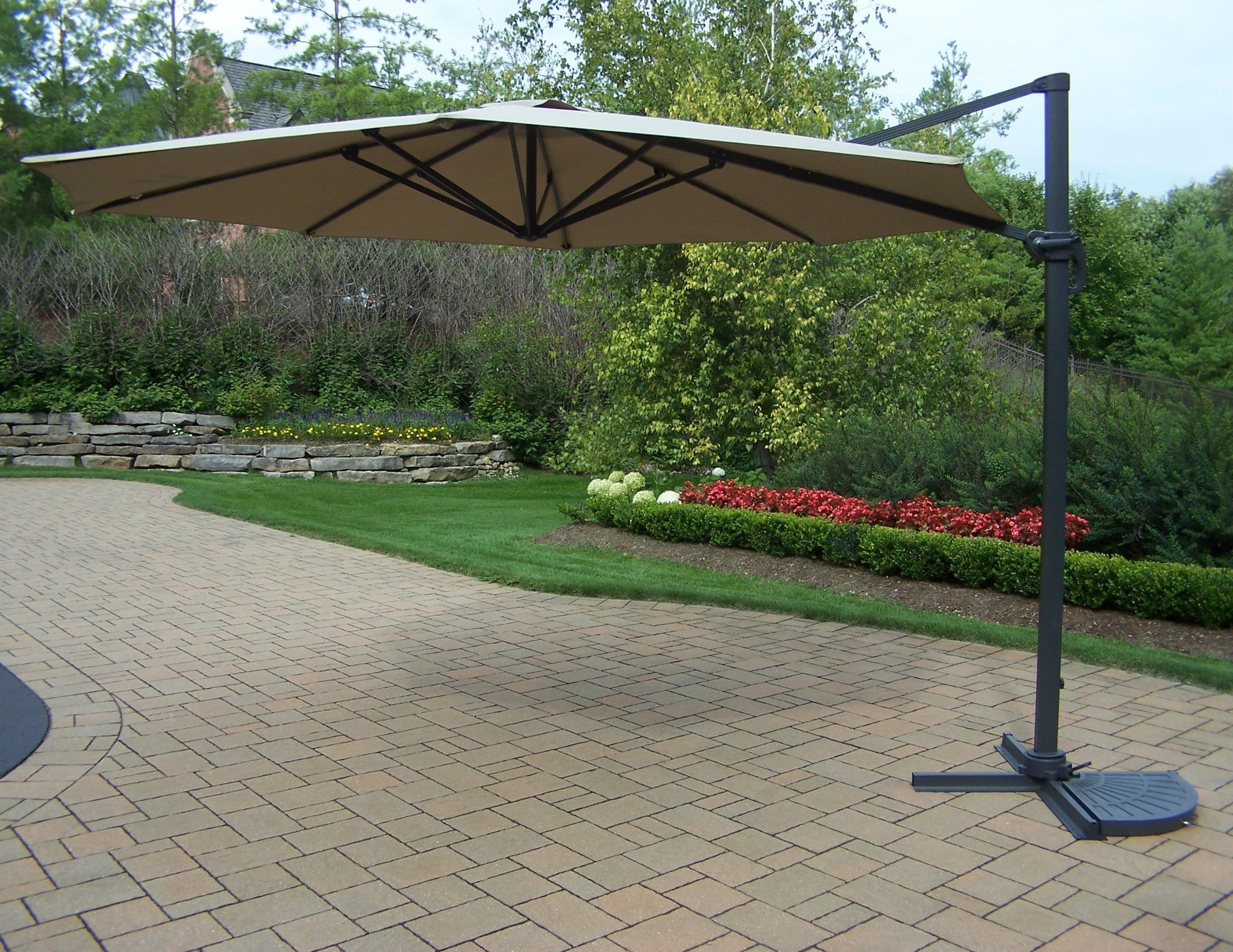 Popular Olen Cantilever Umbrellas With Regard To 11' Cantilever Umbrella (View 19 of 20)