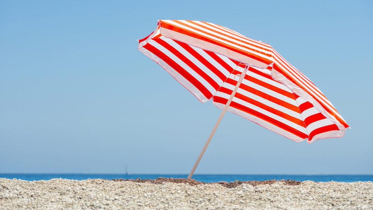 Recent Smithmill Beach Umbrellas With Regard To Big Beach Umbrella – Clubeserradeaires (View 17 of 20)