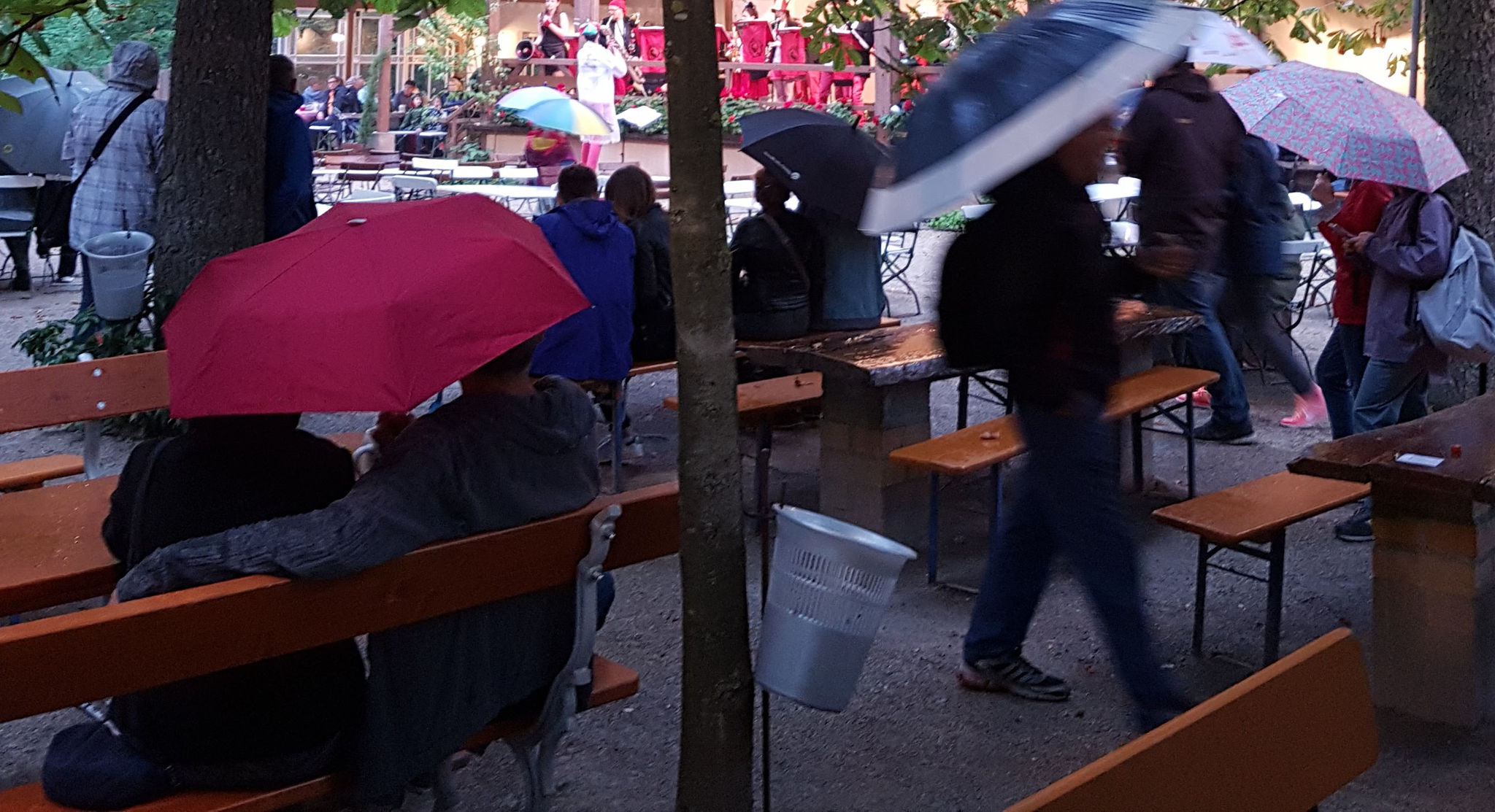 Widely Used Wier Market Umbrellas With Bierkeller Am Freitag, 22. (View 14 of 20)