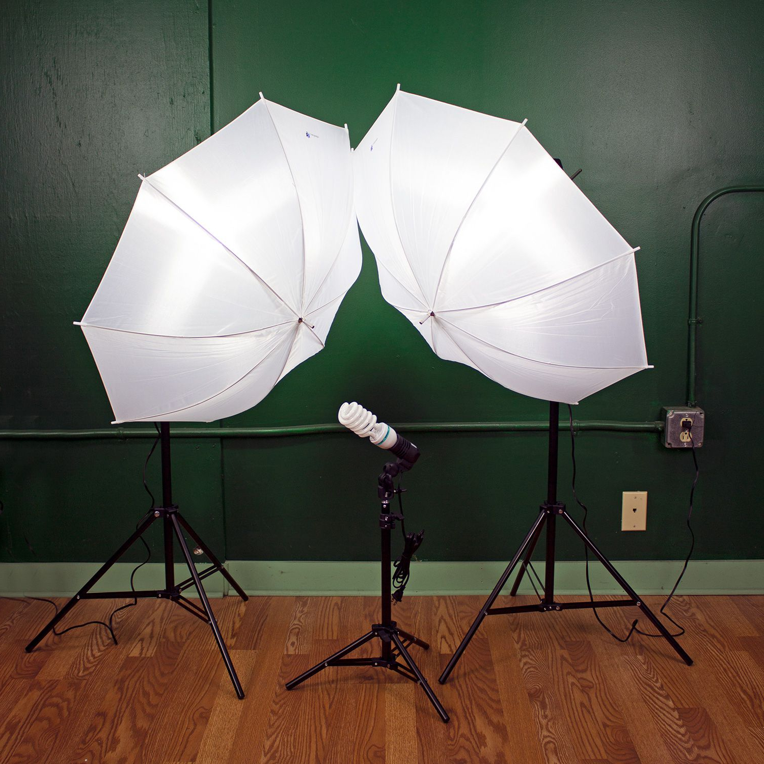 Zeman Market Umbrellas Throughout Well Liked Limostudio Lms103 Lighting Kit Review (View 17 of 20)