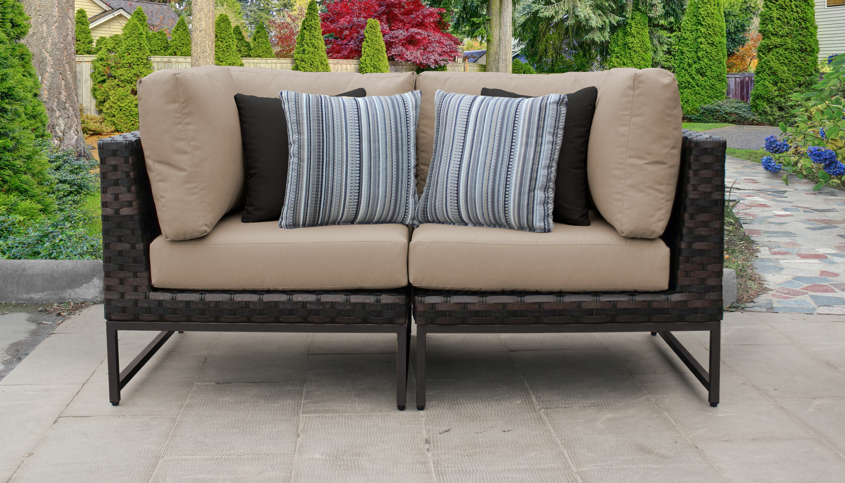 Barcelona Loveseat With Cushions Pertaining To Well Known Pantano Loveseats With Cushions (View 2 of 20)