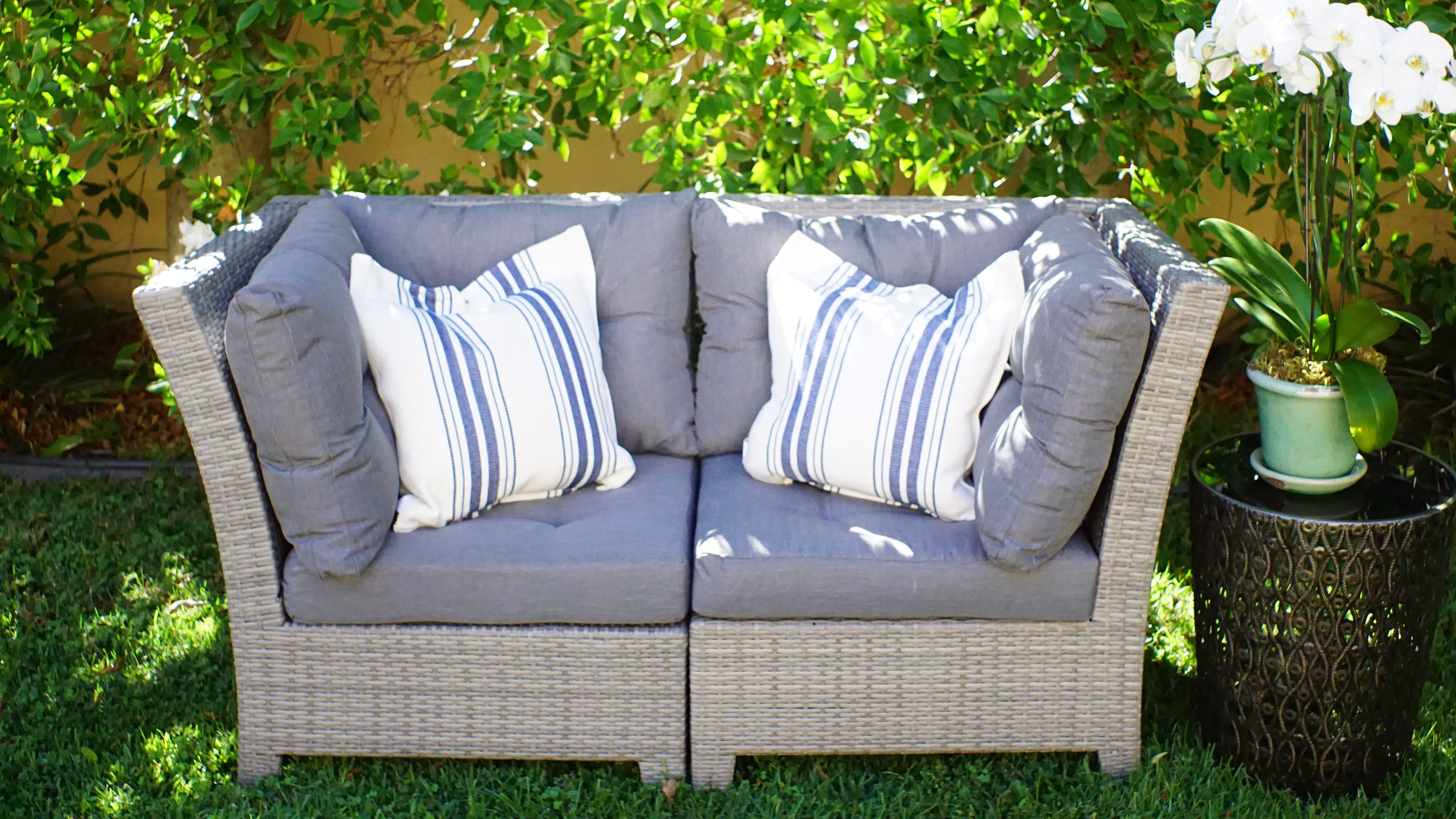 Dowdy Loveseat With Cushions Throughout Popular Loggins Loveseats With Cushions (View 5 of 20)