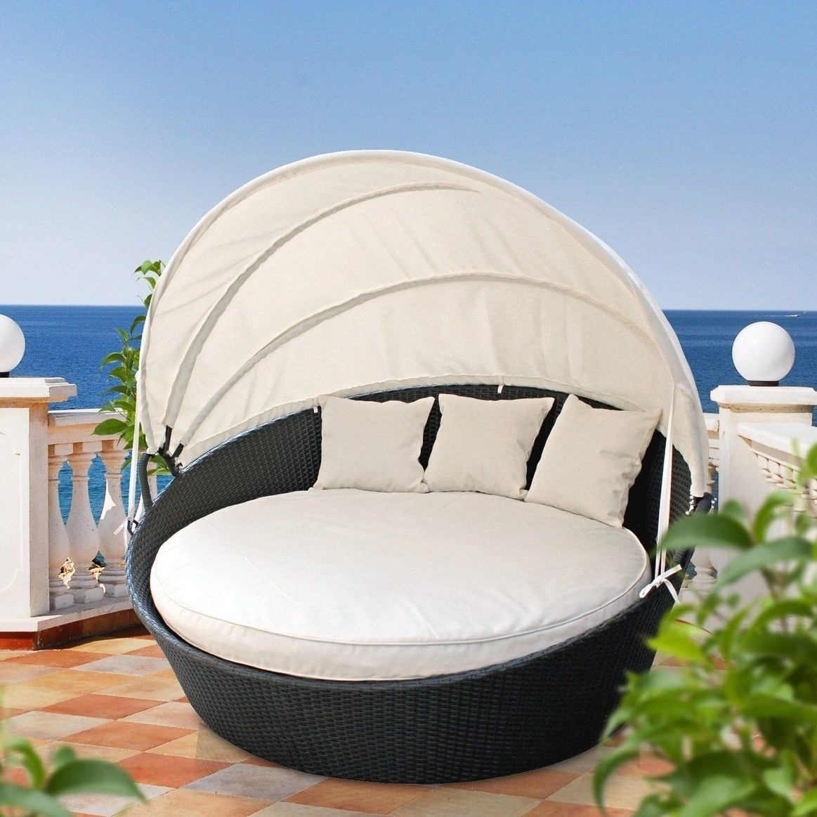 Famous Brentwood Canopy Patio Daybeds With Cushions With Regard To Brentwood Canopy Outdoor Patio Daybed With Cushions (View 6 of 25)