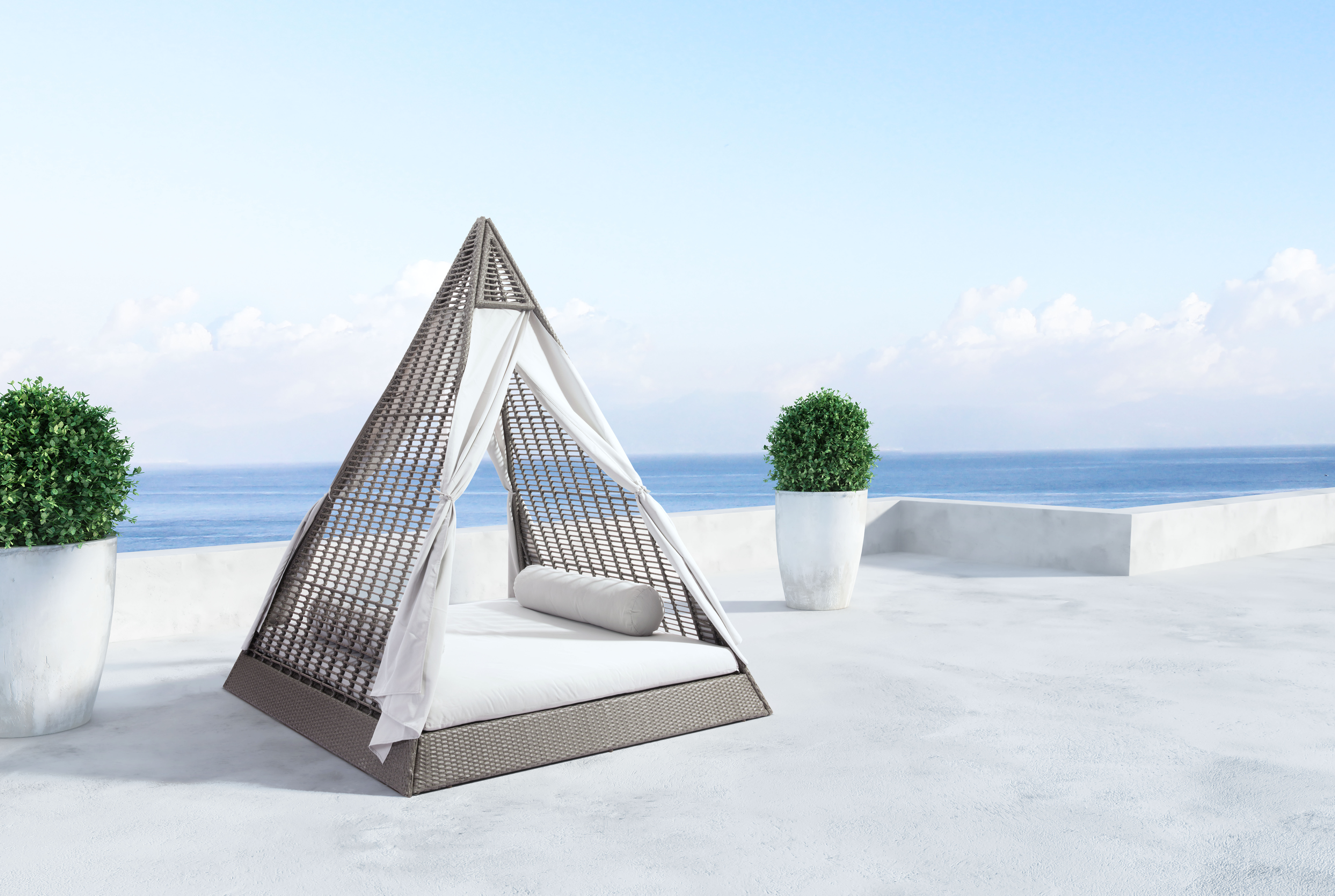 Fashionable Brennon Cube Patio Daybeds With Cushions In Lamarre Patio Daybed With Cushion (View 14 of 25)