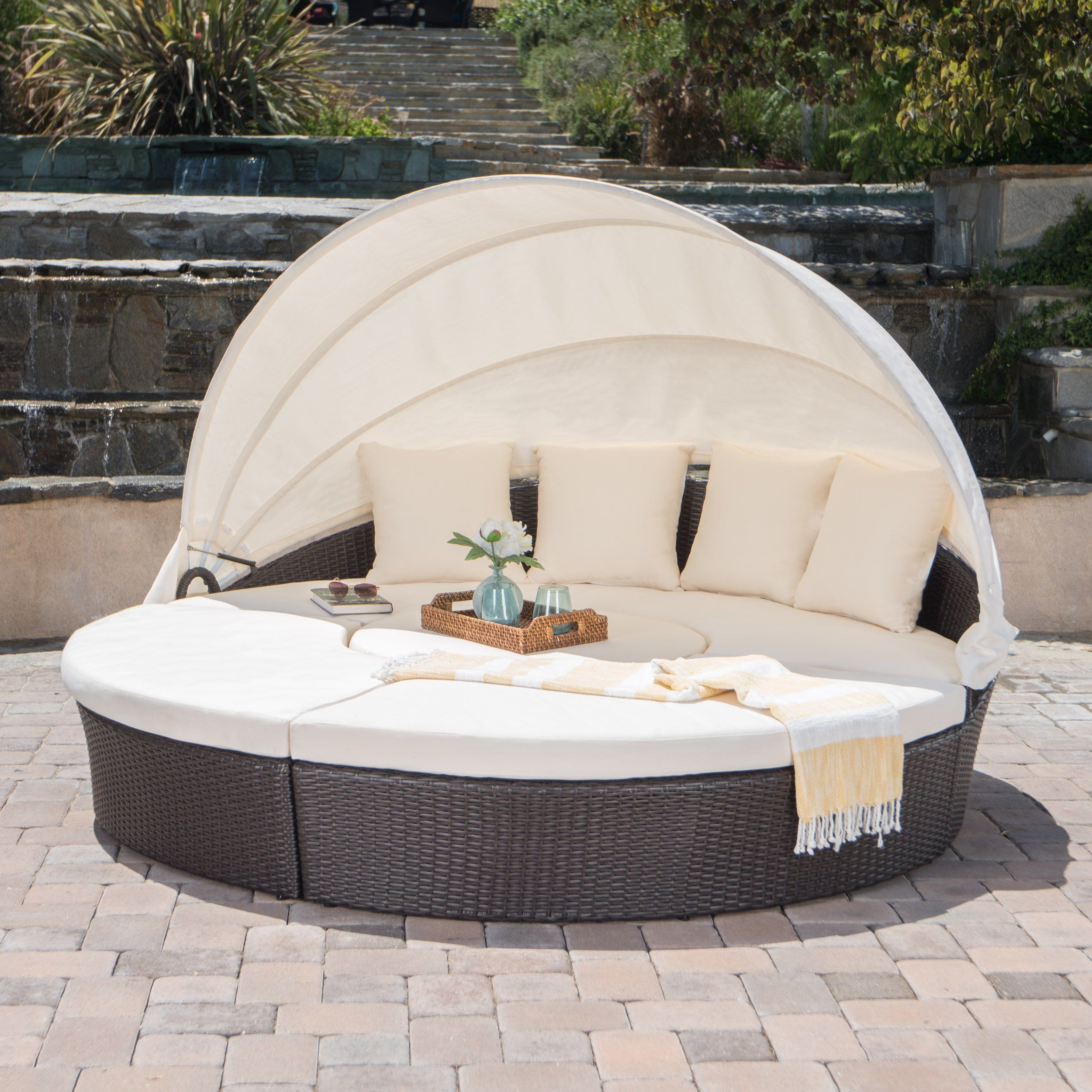 Fashionable Keiran Daybeds With Cushions Regarding Bellagio Outdoor Brown Wicker Daybed With An Aluminum Frame (View 5 of 20)