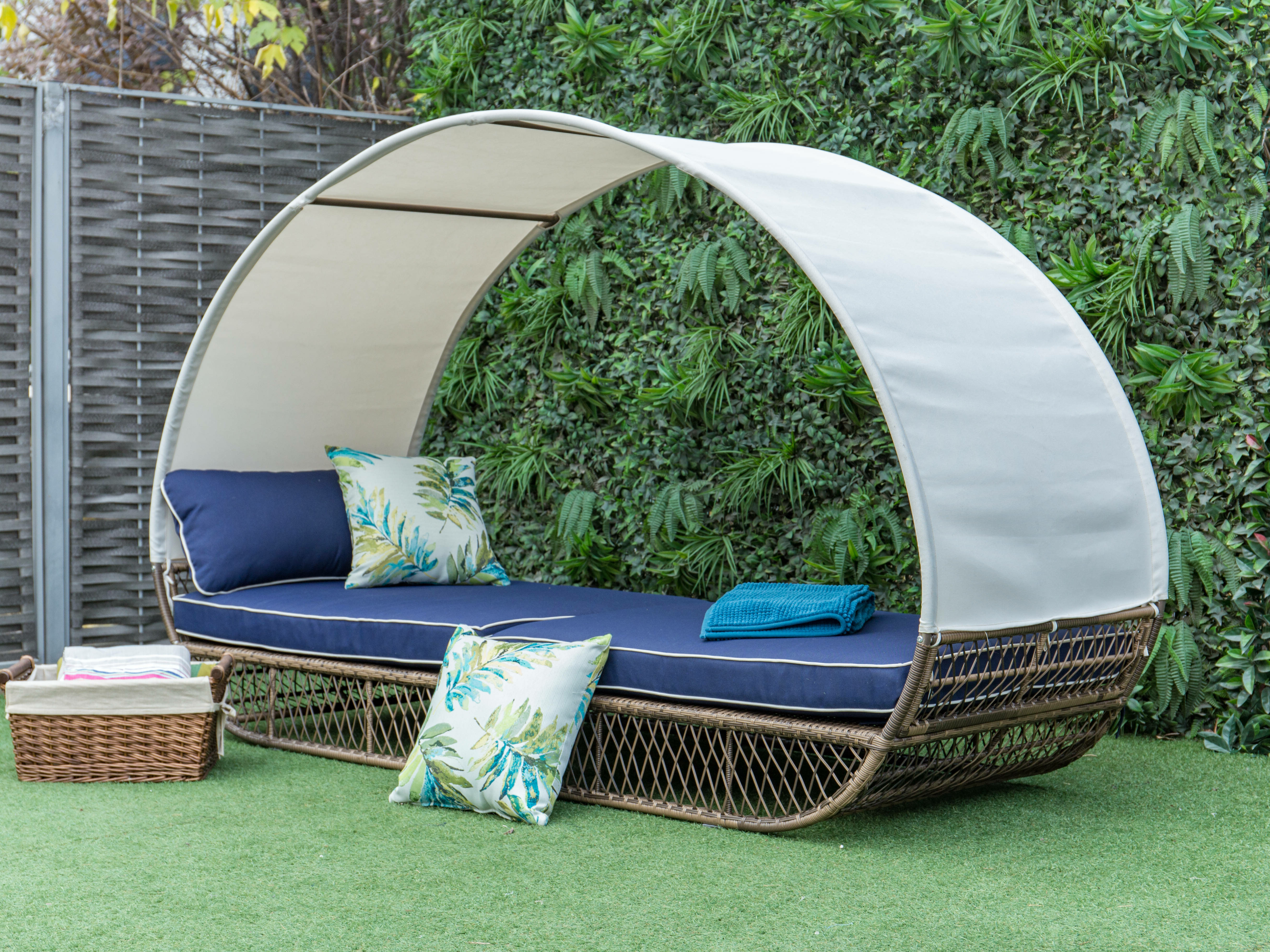 Favorite Eastbourne Patio Daybed With Cushions Throughout Freeport Patio Daybeds With Cushion (View 17 of 20)