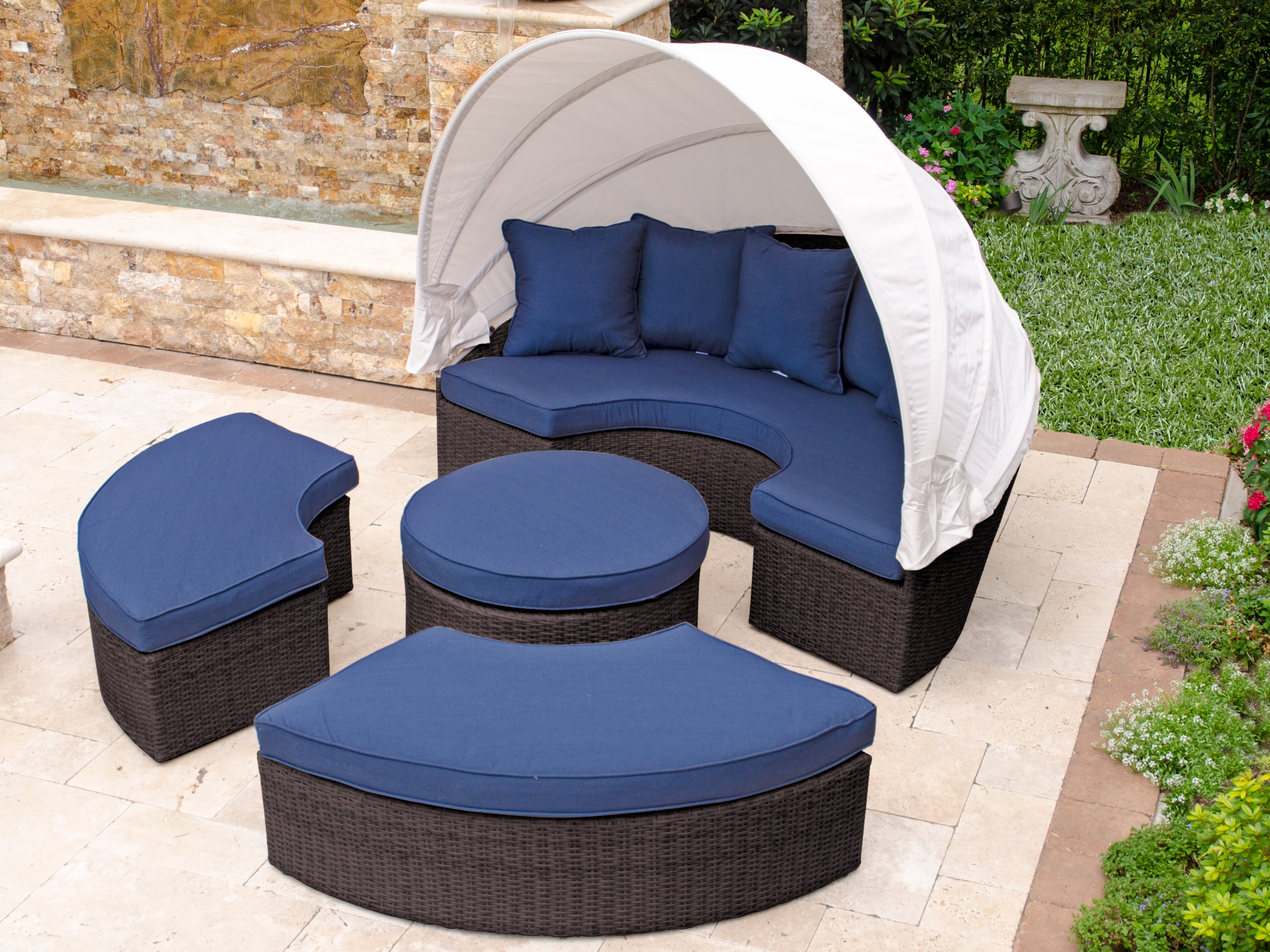 Furniture: Cool Patio Daybed With Alluring Cushions For Inside Recent Olu Bamboo Large Round Patio Daybeds With Cushions (View 5 of 20)