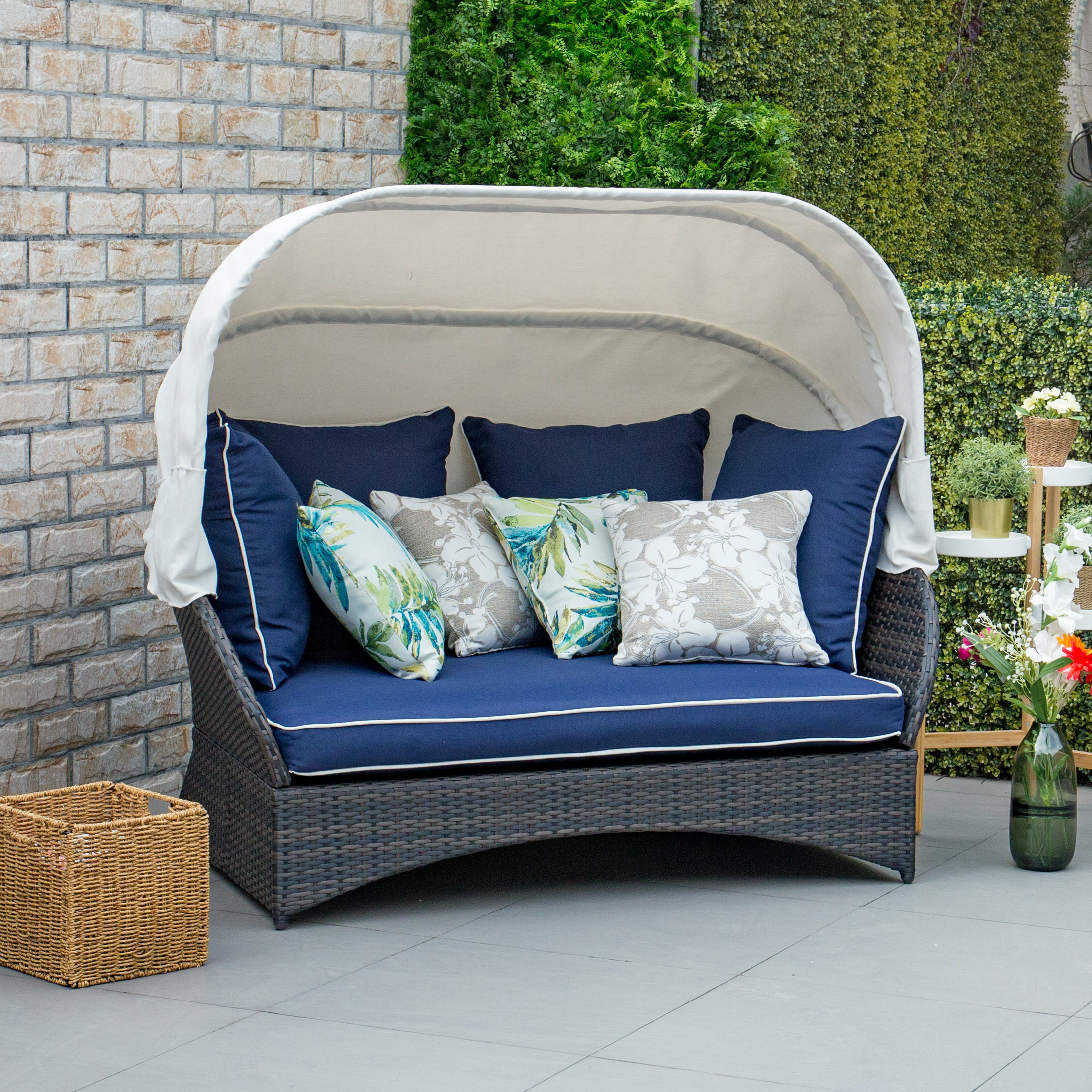 Lammers Outdoor Wicker Daybeds With Cushions Pertaining To Well Known Tolbert Wicker Patio Daybed With Ottoman (View 11 of 20)