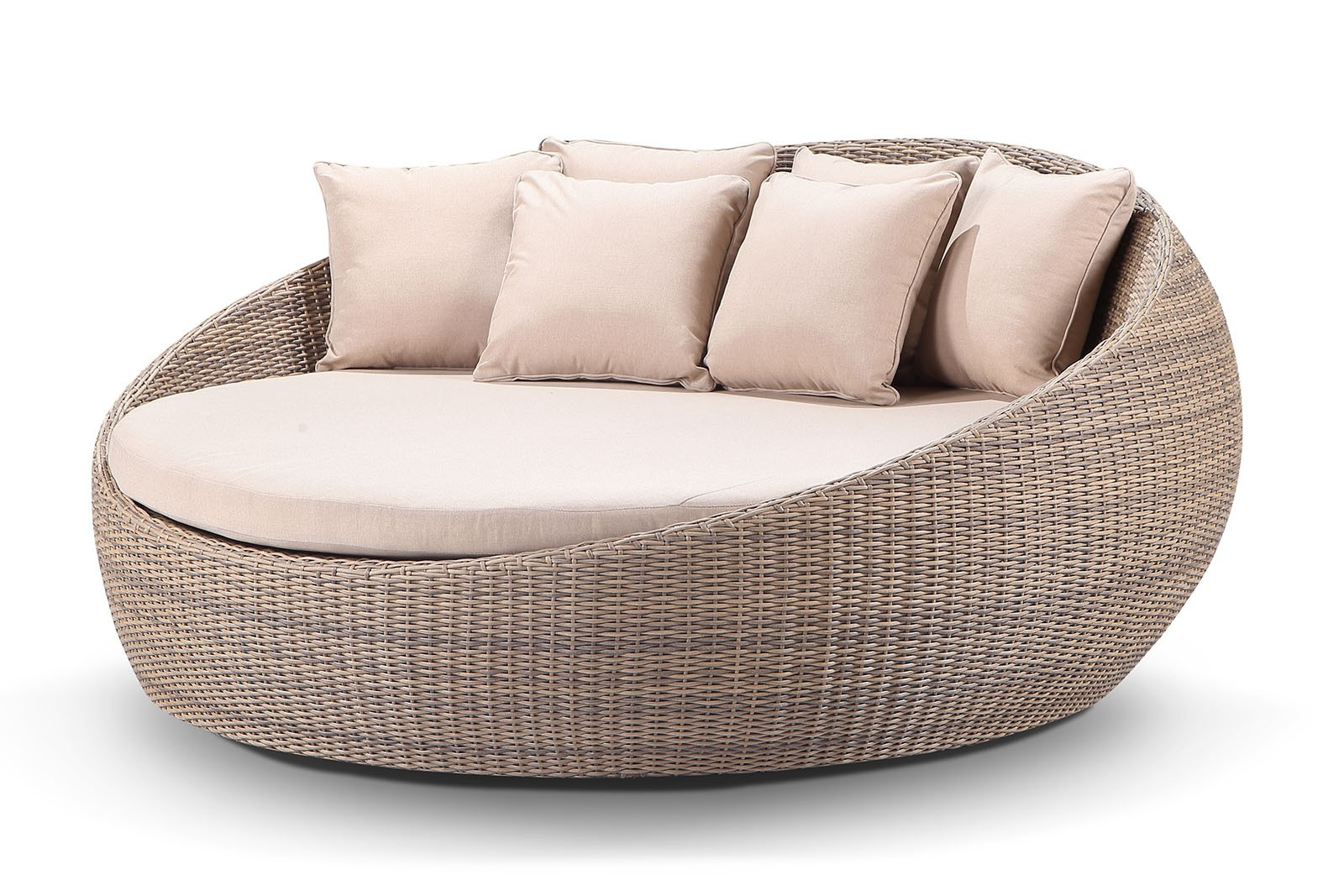 Large Newport Round Outdoor Wicker Daybed Without Canopy Inside 2020 Resort Patio Daybeds (View 5 of 20)
