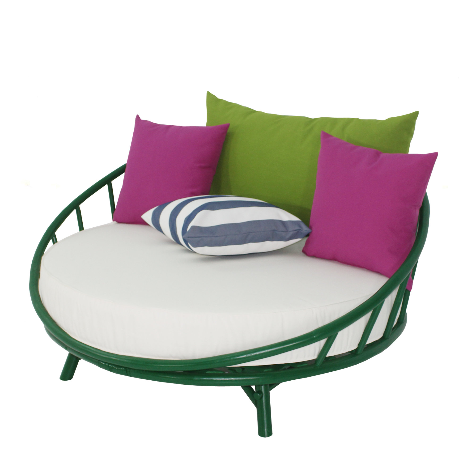 Lavina Outdoor Patio Daybeds With Cushions Regarding Well Known Olu Bamboo Large Round Patio Daybed With Cushions (View 15 of 20)