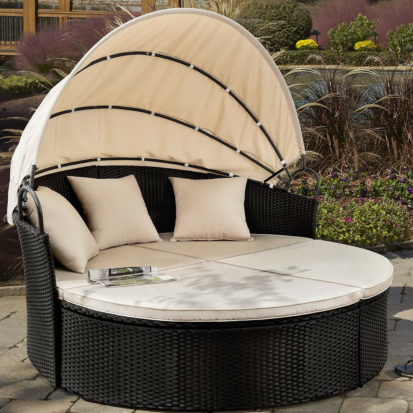 Leiston Round Patio Daybed With Cushions Pertaining To 2019 Behling Canopy Patio Daybeds With Cushions (View 4 of 25)