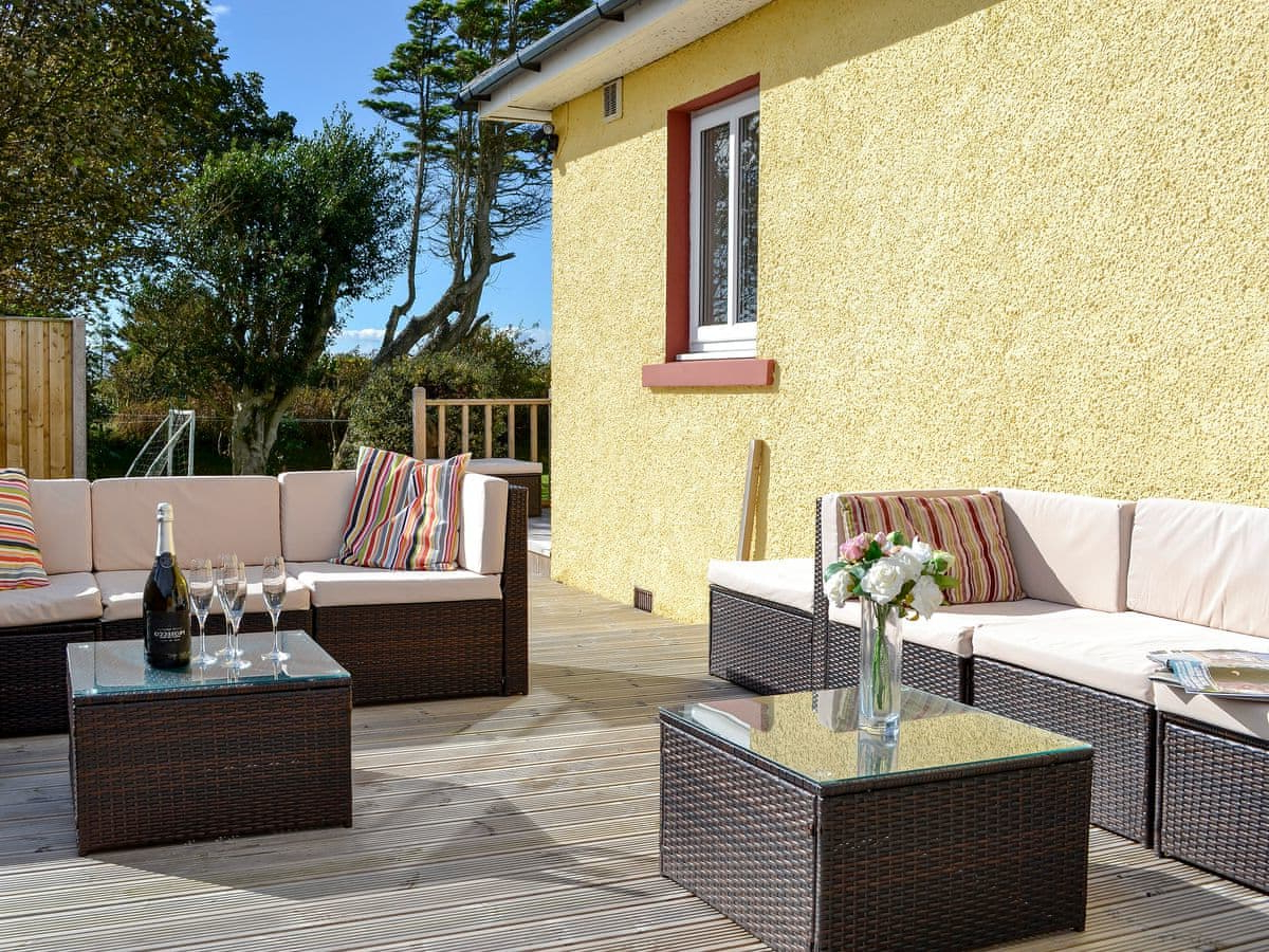 Neeprig (Ref Uk1365) In Skinburness, Near Silloth, Cumbria Intended For Trendy Silloth Patio Sofas With Cushions (View 8 of 20)