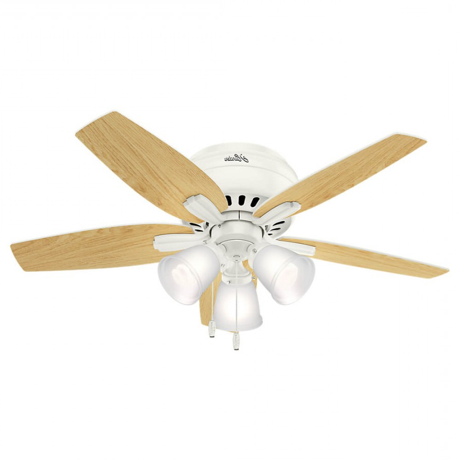 Newsome Low Profile 5 Blade Ceiling Fans Throughout Most Recent Hunter 51077 Newsome Low Profile 3 Light 42 Inch Ceiling Fan In Fresh White With 5 Fresh White Blade And Frosted Glass (View 8 of 20)