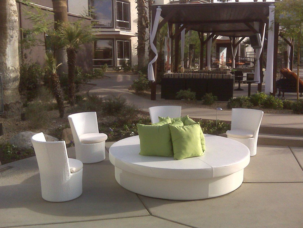 Patio Daybed (Gallery 4 of 20)