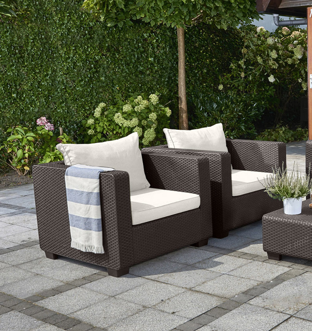 Preferred Leiston Round Patio Daybeds With Cushions In Freeport Park Leiston Round Patio Daybed With Cushions (View 14 of 20)