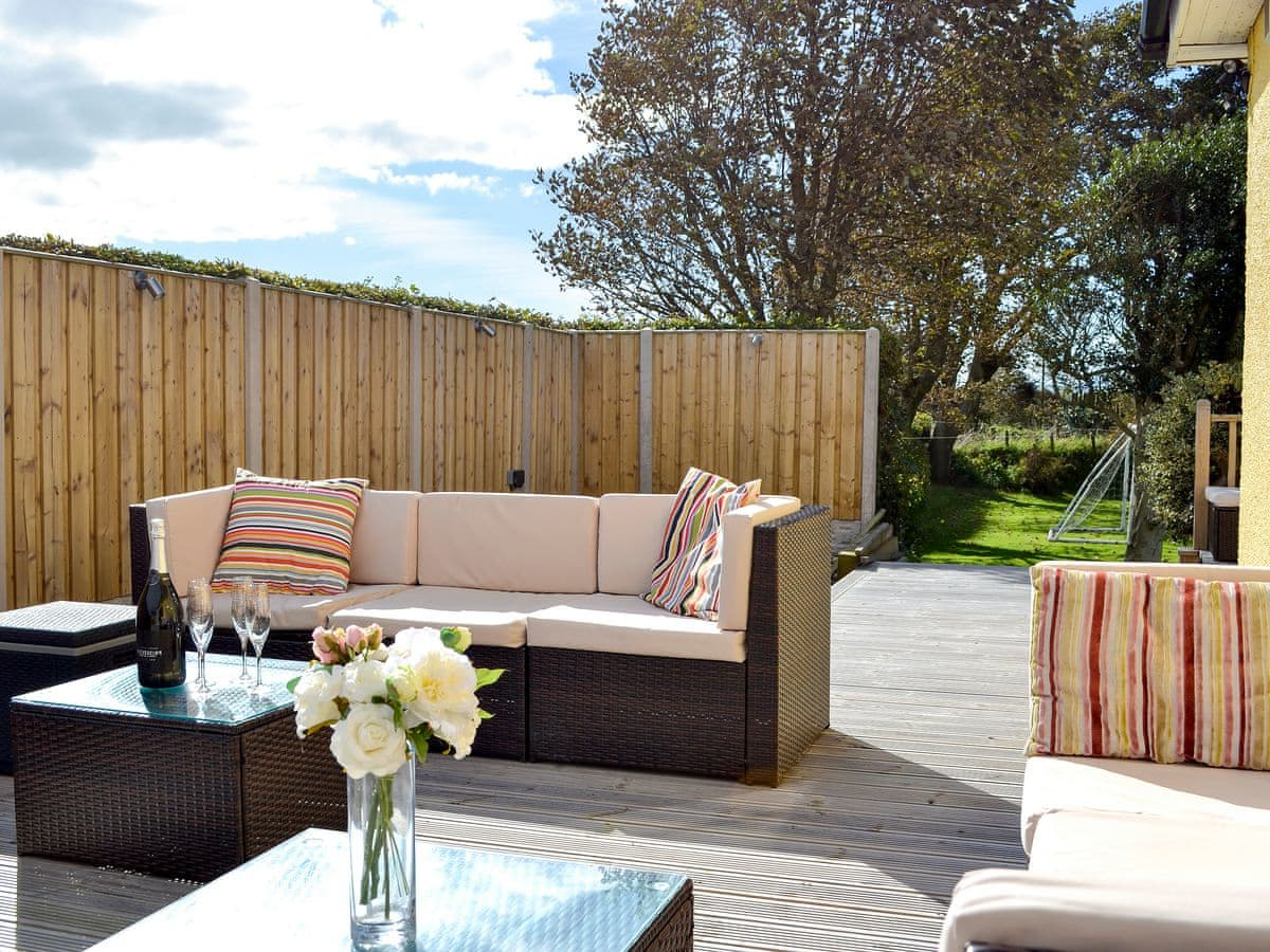 Silloth Patio Sofas With Cushions In Current Neeprig (ref Uk1365) In Skinburness, Near Silloth, Cumbria (View 15 of 20)