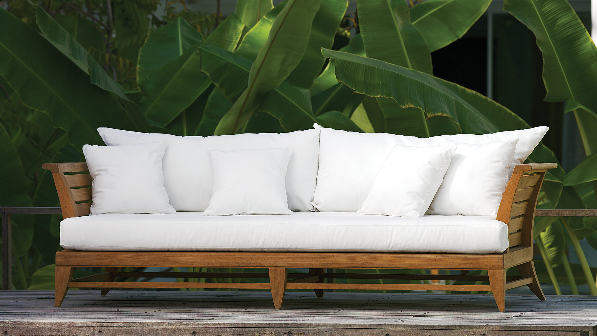 Teak Patio Daybed Within Most Up To Date Ellanti Teak Patio Daybeds With Cushions (View 18 of 20)