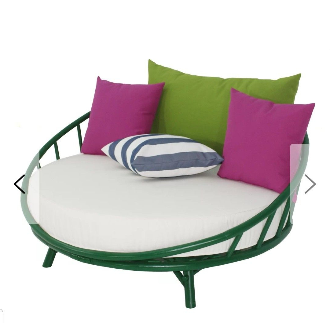 Well Known Olu Bamboo Large Round Patio Daybeds With Cushions For Olu Bamboo Large Round Patio Daybed With Cushions (View 20 of 20)