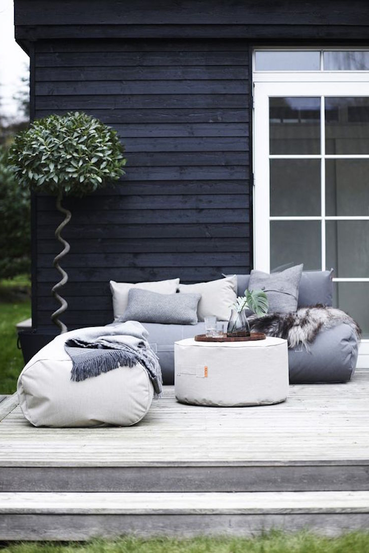 2019 Indoor/outdoor Patio Bean Bag Chairs Regarding Outdoor Furniture: The Return Of The Beanbag Chair – Gardenista (View 23 of 25)