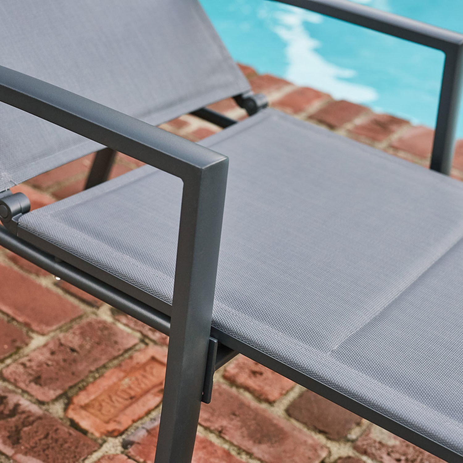 Best And Newest Hanover Halsted Padded Chaises Pertaining To Hanover Halsted Padded Chaise (View 6 of 25)
