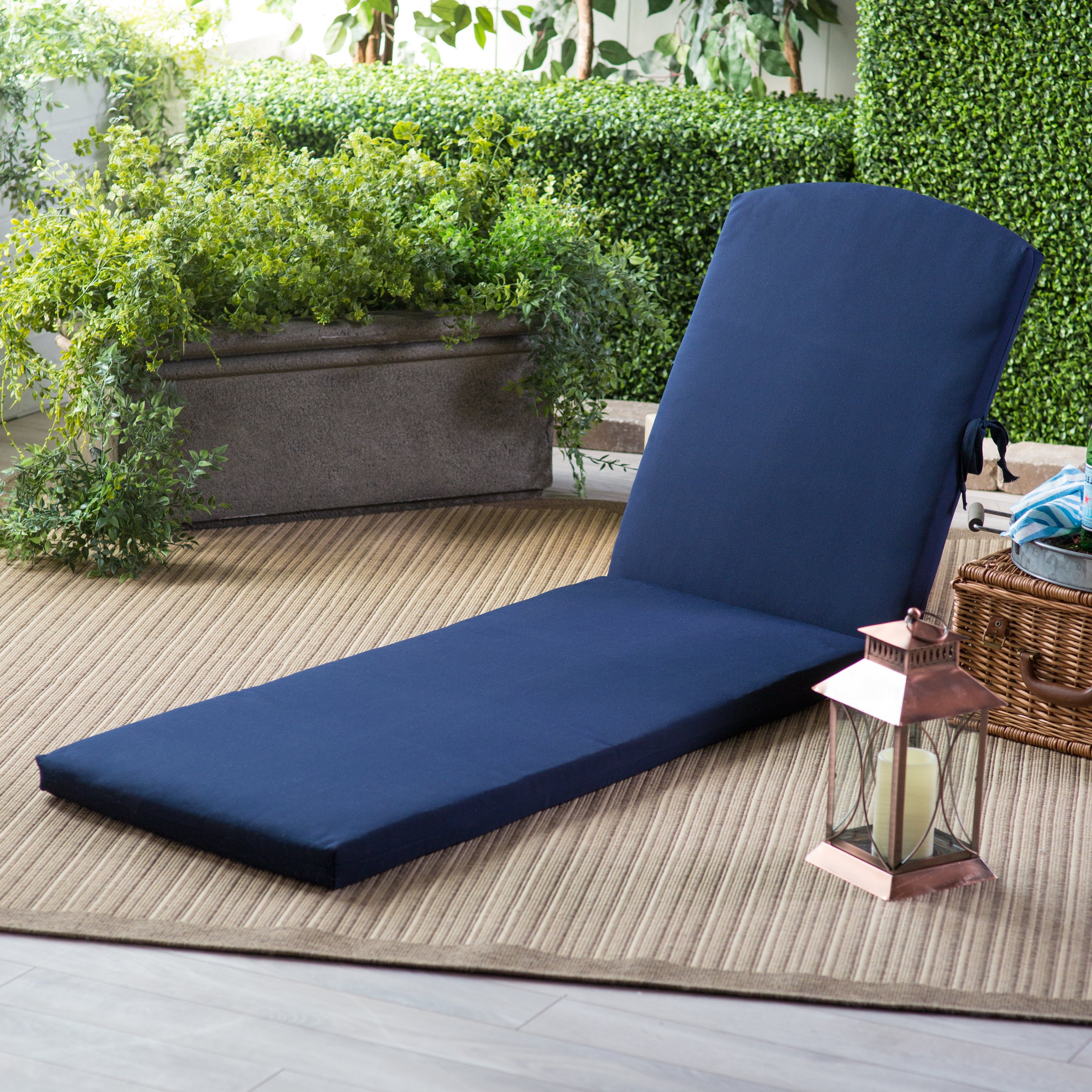 Chaise Lounge Chairs In White With Navy Cushions Pertaining To Most Up To Date Decorating: Comfortable Sunbrella Replacement Cushions For (View 19 of 25)