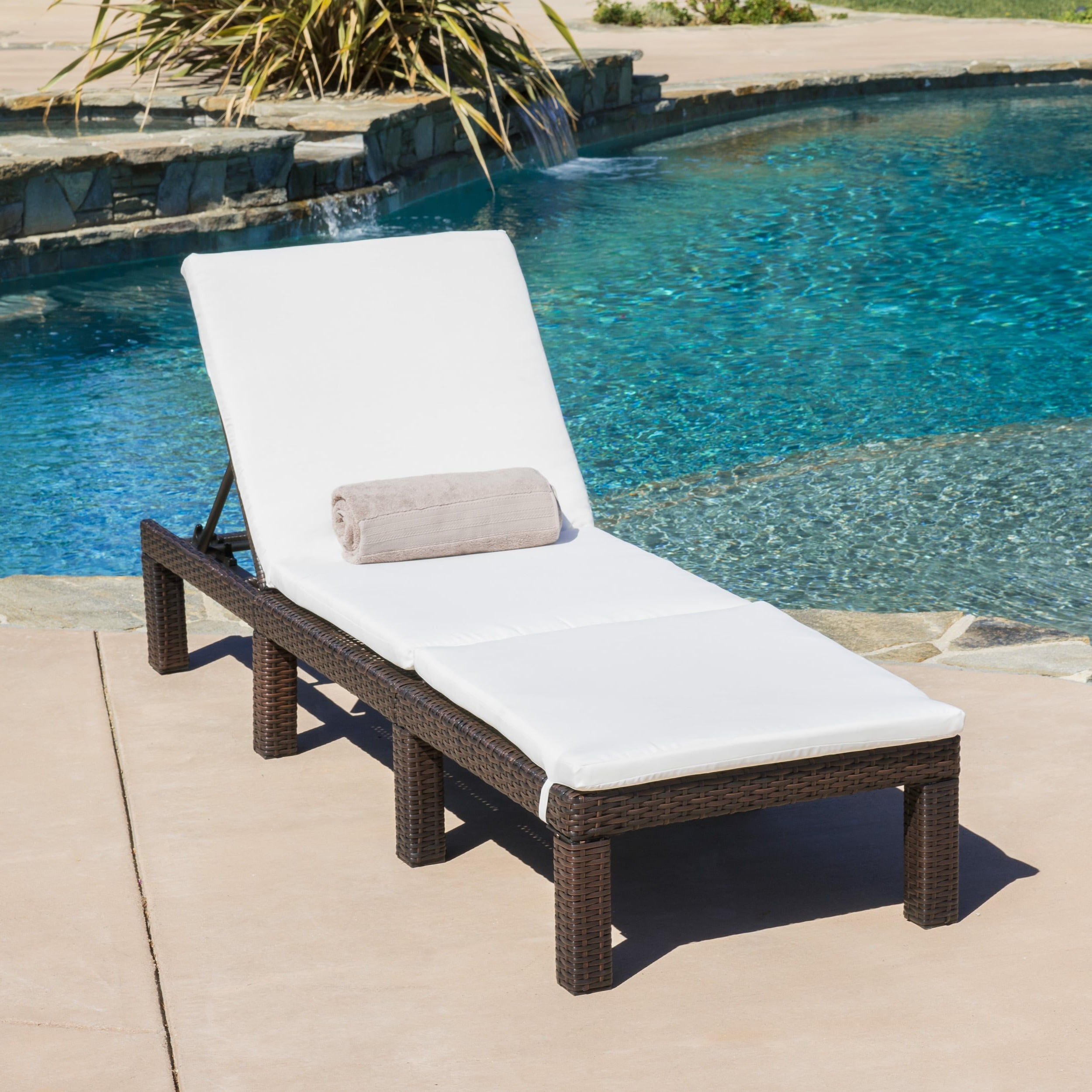 Jamaica Outdoor Wicker Chaise Lounges With Cushion With Regard To Most Recently Released Jamaica Outdoor Chaise Lounge With Cushionchristopher (View 6 of 25)