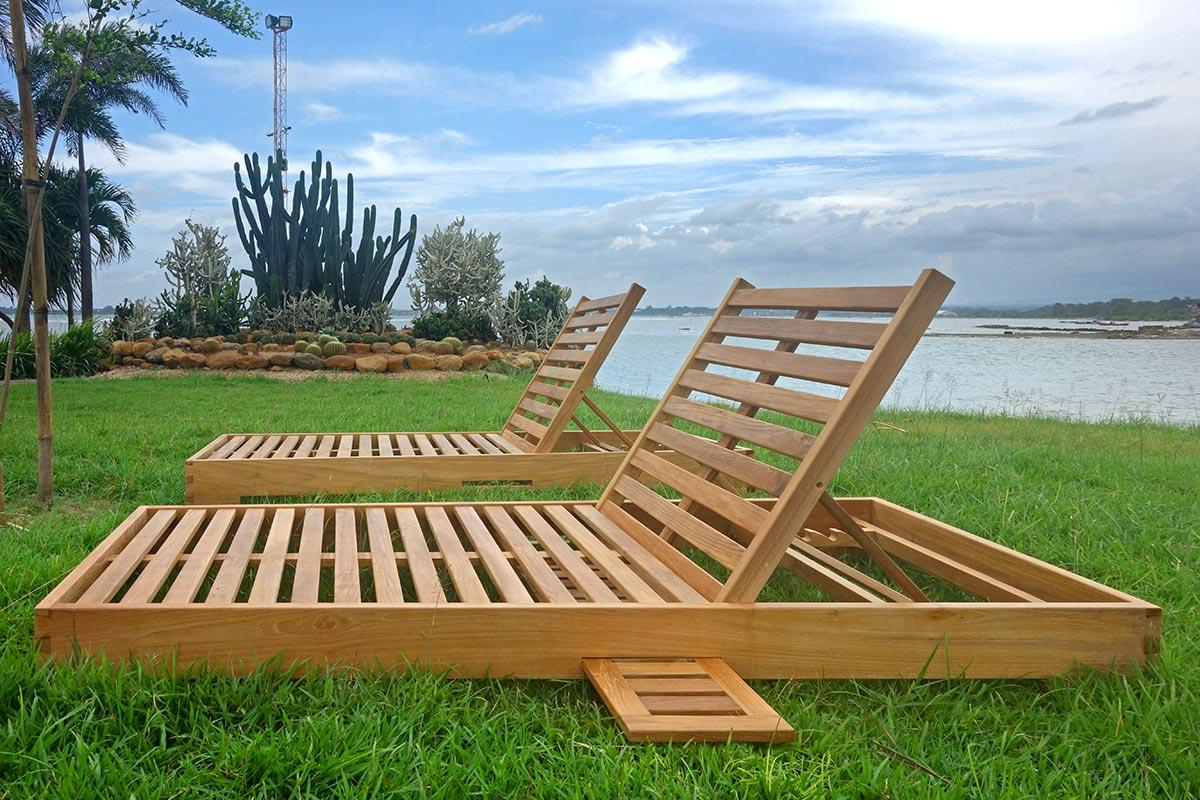 Most Current Teak Hollywood Chaise Lounger With Sunbrella Cushions Pertaining To Teak Chaise Loungers (View 22 of 25)