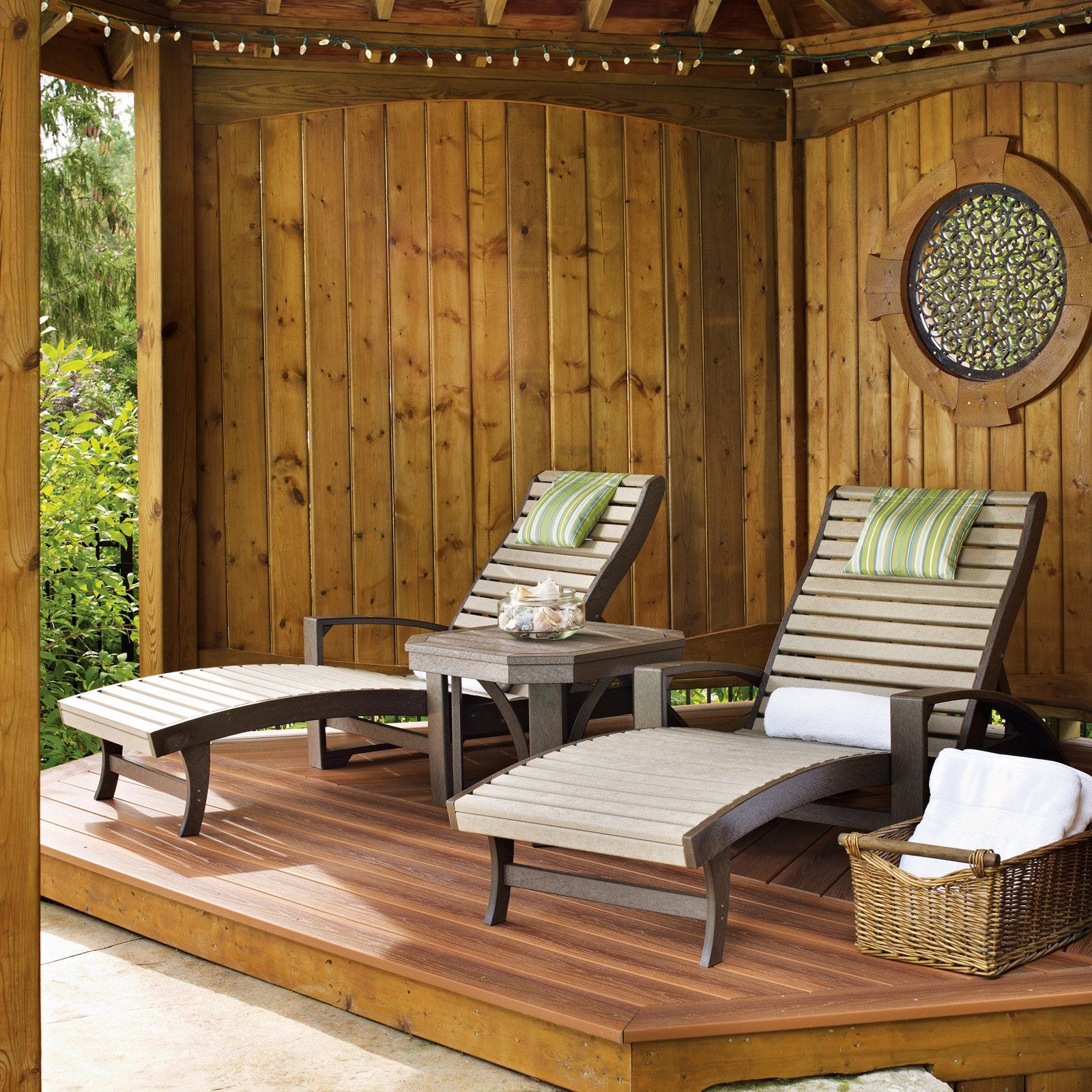 Outdoor Cr Plastic St Tropez Chaise Lounge With Wheels – L38 Inside Popular Plastic Chaise Lounges W/ Wheels (View 15 of 25)