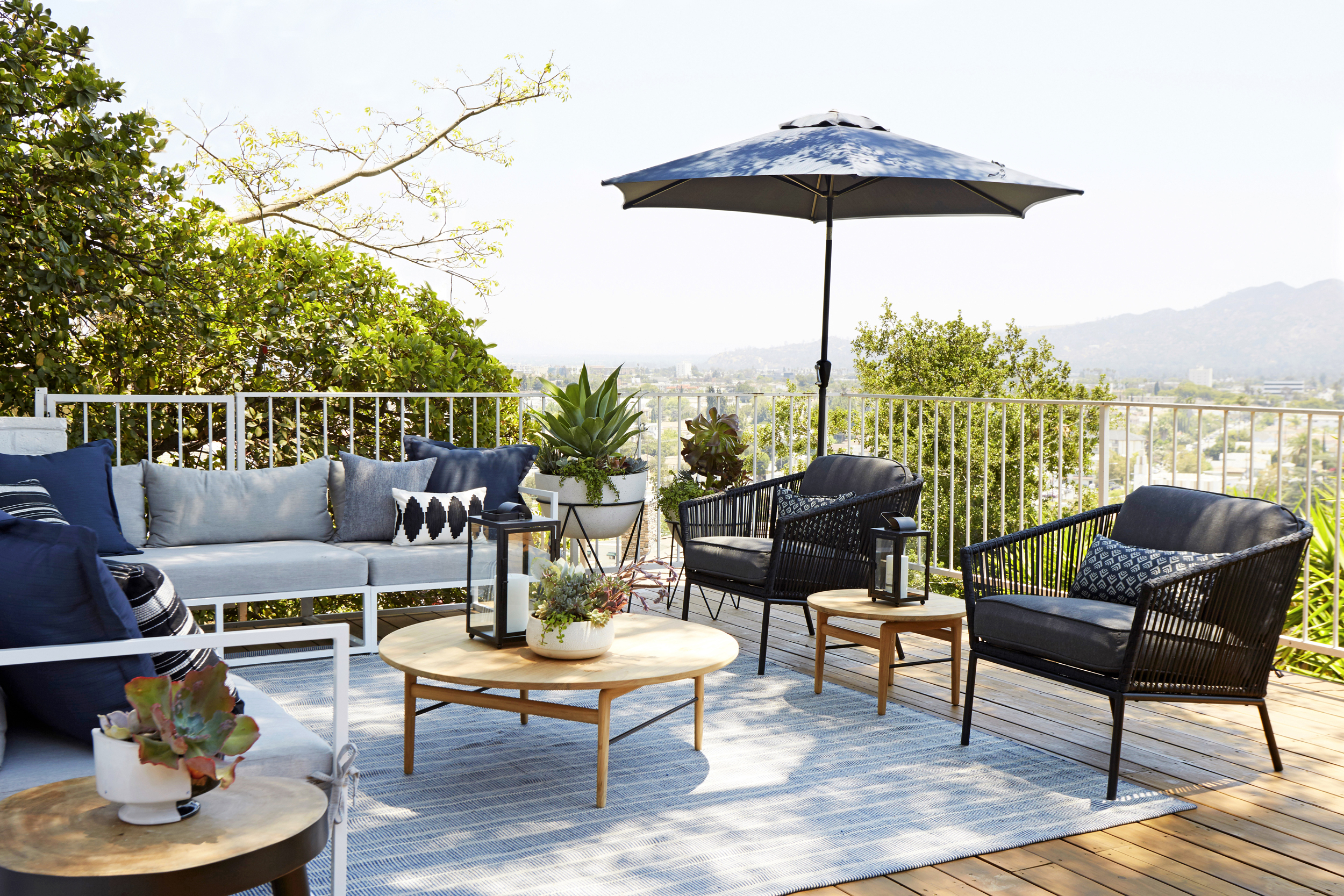 Outdoor Living Pacifica Piece Lounge Sets Regarding Well Liked Outdoor Lounge Furniture Roundup – Emily Henderson (View 19 of 25)