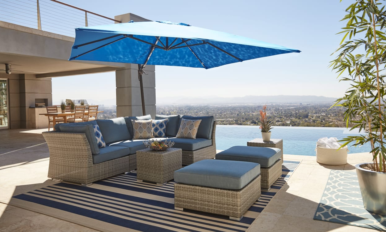 Popular Choose The Best Patio Umbrella With These Expert Tips Regarding Striped Outdoor Chaises With Umbrella (View 14 of 25)