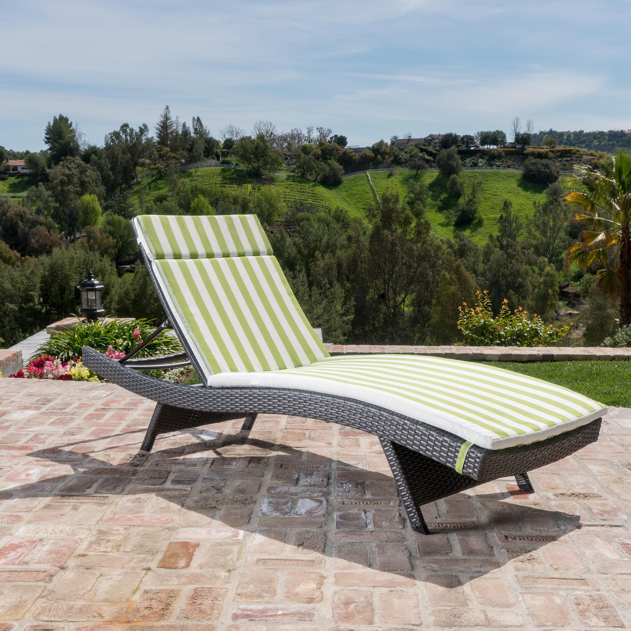 Rebello Wicker Chaise Lounge With Cushion Intended For Favorite White Wicker Adjustable Chaise Loungers With Cushions (View 14 of 25)