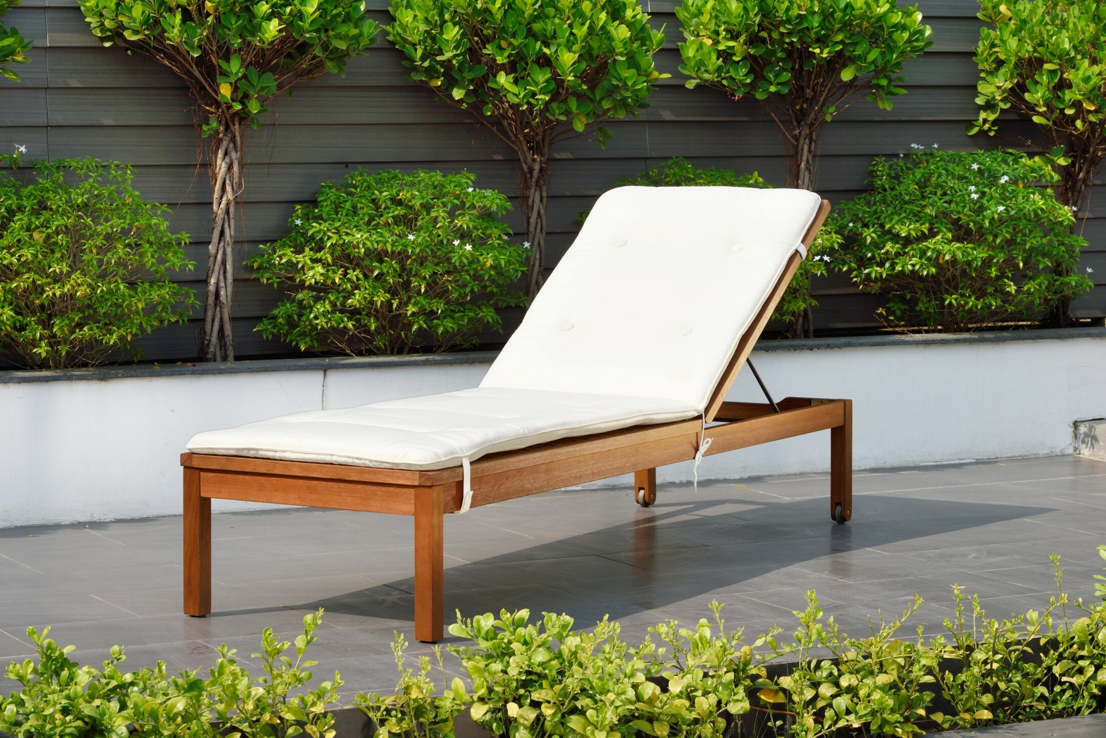 Recent Eucalyptus Teak Finish Outdoor Chaise Loungers With Cushion Within Elsmere Chaise Lounge With Cushion (View 20 of 25)