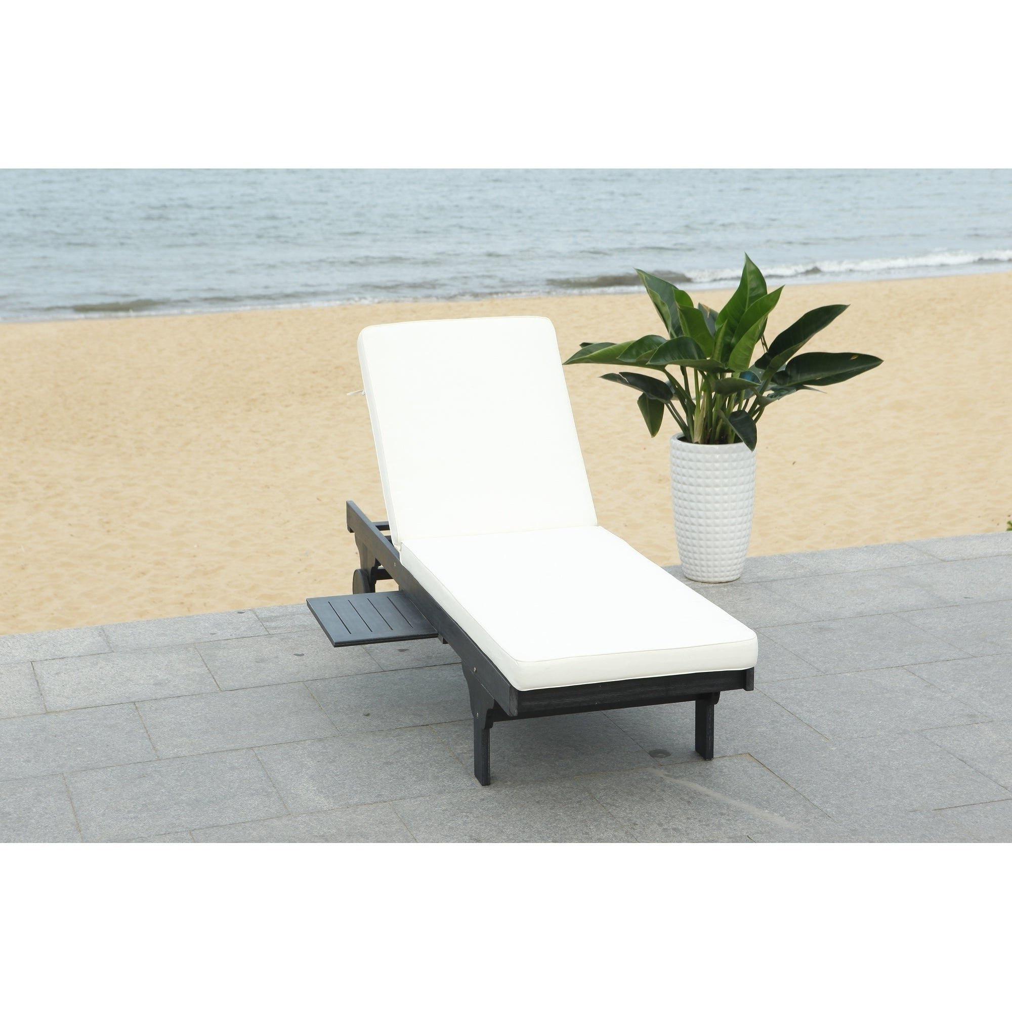 """Safavieh Outdoor Living Newport Black/ White Cart Wheel Adjustable Chaise  Lounge Chair – 27.6"""" X 78.7"""" X  (View 21 of 25)"""