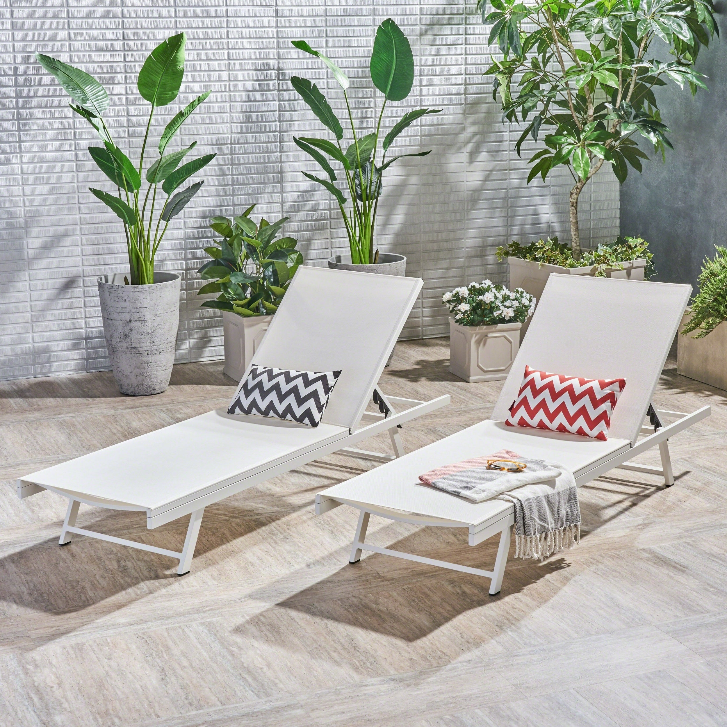 Salton Outdoor Aluminum Chaise Lounges Within Well Known Salton Outdoor Aluminum Chaise Lounge (Set Of 2)Christopher Knight Home (View 22 of 25)