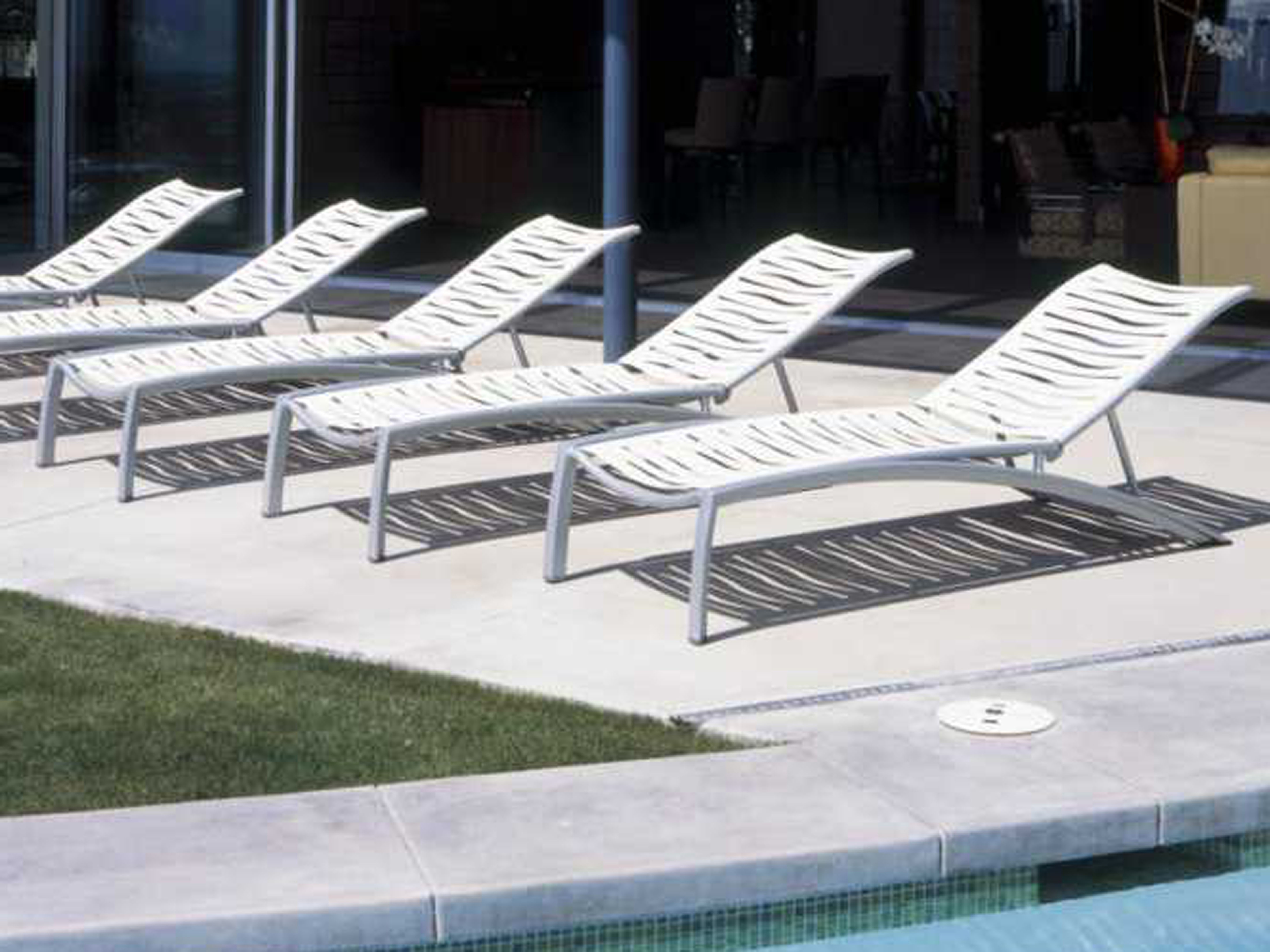 South Beach Chaise Lounges Pertaining To Latest Tropitone South Beach Wave Aluminum Lounge Set (View 25 of 25)