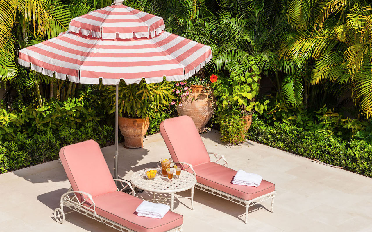 Striped Outdoor Chaises With Umbrella Inside Trendy Pool Lounge Chairs To Turn Your Backyard Into A Retreat (View 10 of 25)