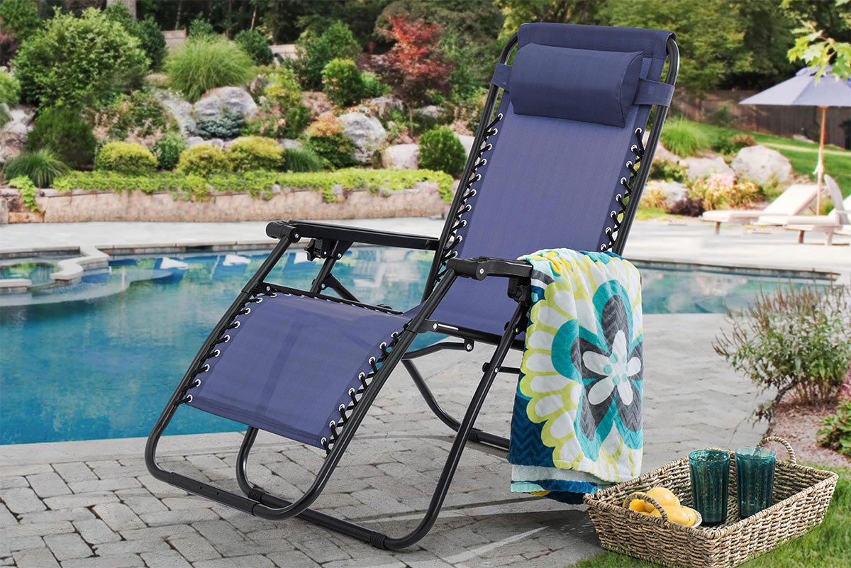 Trendy Best Zero Gravity Chairs For Beach, Patios And Pool Sides – Aw2K Throughout Oversize Wider Armrest Padded Lounge Chairs (View 24 of 25)
