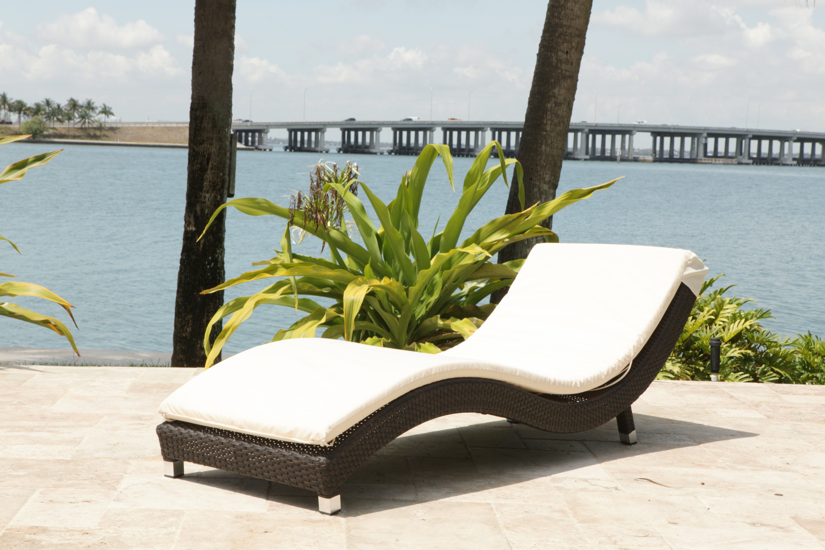Well Known Unique Wicker Chaise Lounge Pics – Struktura – Struktura Inside 2 Piece Outdoor Wicker Chaise Lounge Chairs (View 24 of 25)