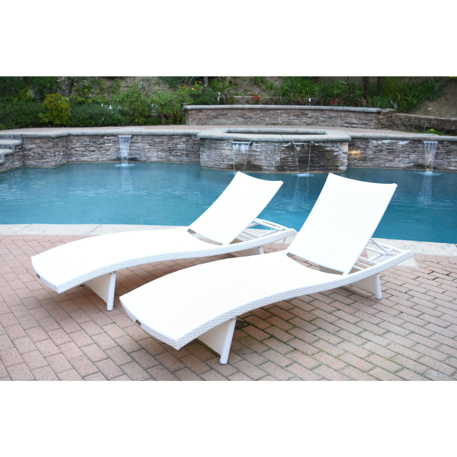 White Wicker Adjustable Chaise Lounger With Cushions (set Of 2) With Regard To Popular White Wicker Adjustable Chaise Loungers With Cushions (View 23 of 25)